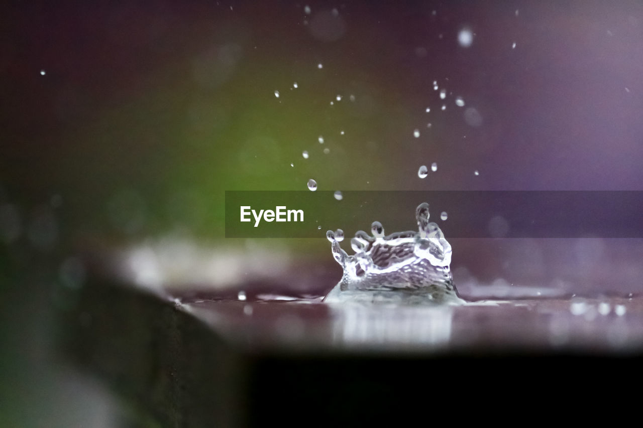 selective focus, water, close-up, drop, no people, splashing, nature, motion, outdoors, purity, freshness, wet, day, black background, studio shot, fragility, detail, high-speed photography, raindrop