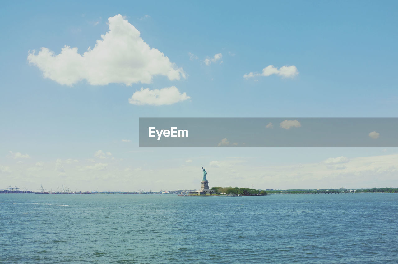 Scenic view of statue of liberty