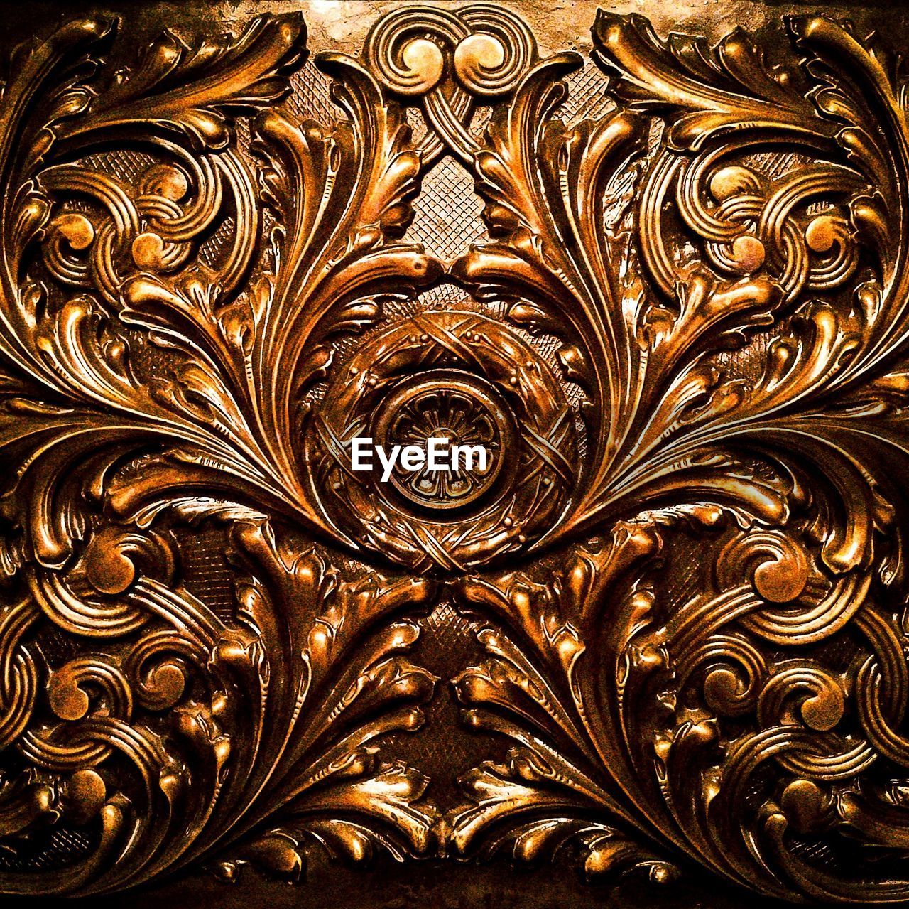 gold colored, pattern, art and craft, full frame, design, backgrounds, no people, creativity, gold, ornate, indoors, close-up, decoration, craft, shape, luxury, textured, wealth, gilded, architecture, floral pattern, carving