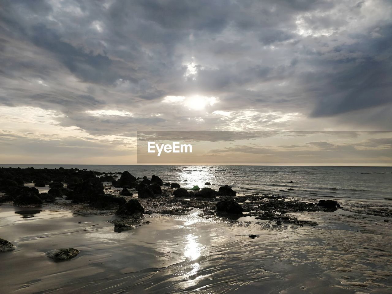 sky, cloud - sky, sea, water, horizon over water, horizon, scenics - nature, beauty in nature, sunset, beach, land, tranquil scene, tranquility, nature, rock, idyllic, rock - object, solid, reflection, outdoors