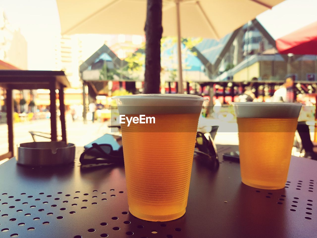 drink, table, refreshment, food and drink, drinking glass, beer, close-up, no people, alcohol, day, freshness, indoors
