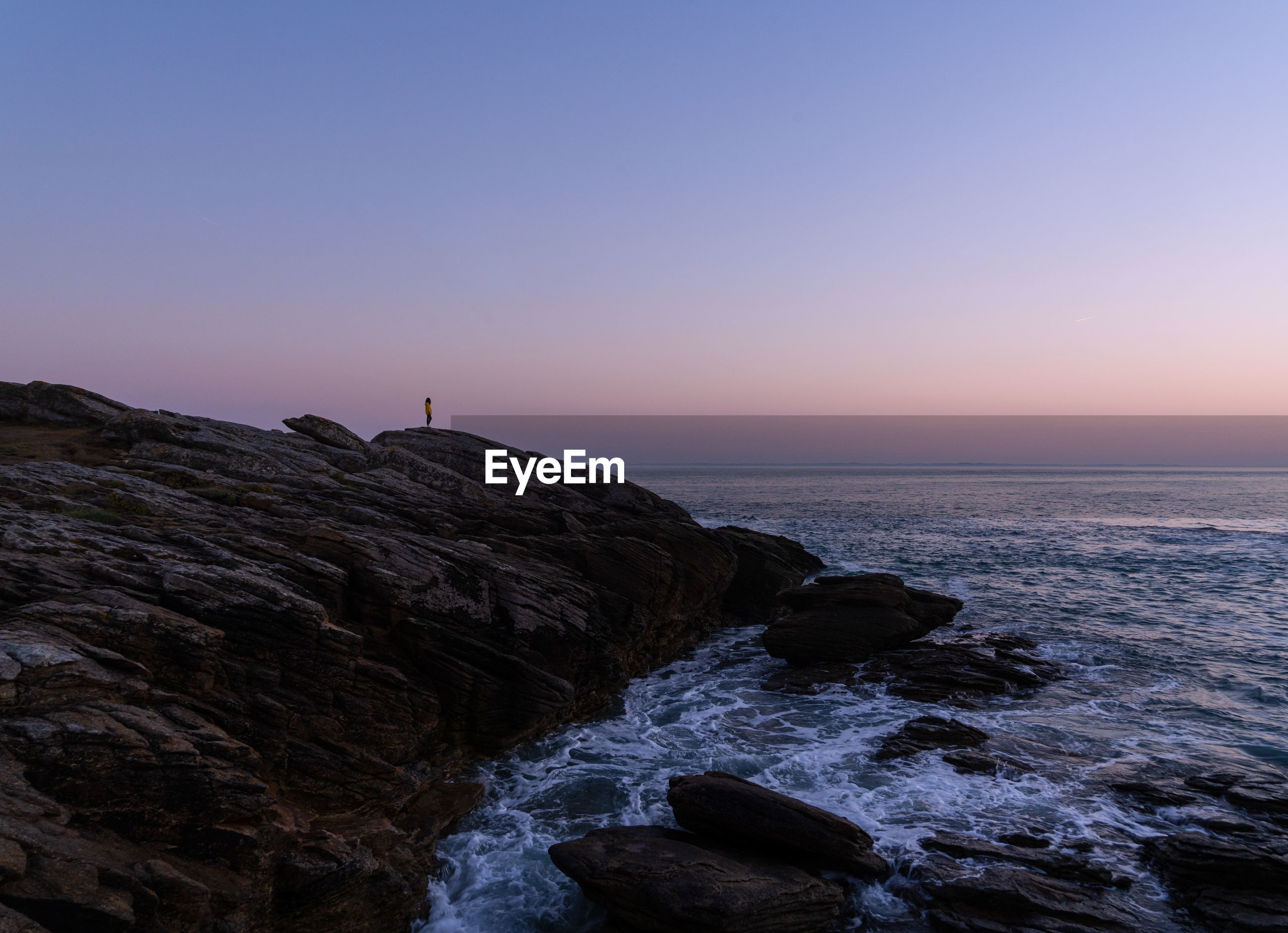 sky, sea, beauty in nature, scenics - nature, rock, water, sunset, rock - object, horizon over water, horizon, solid, tranquility, tranquil scene, non-urban scene, copy space, nature, motion, idyllic, rock formation, no people, outdoors