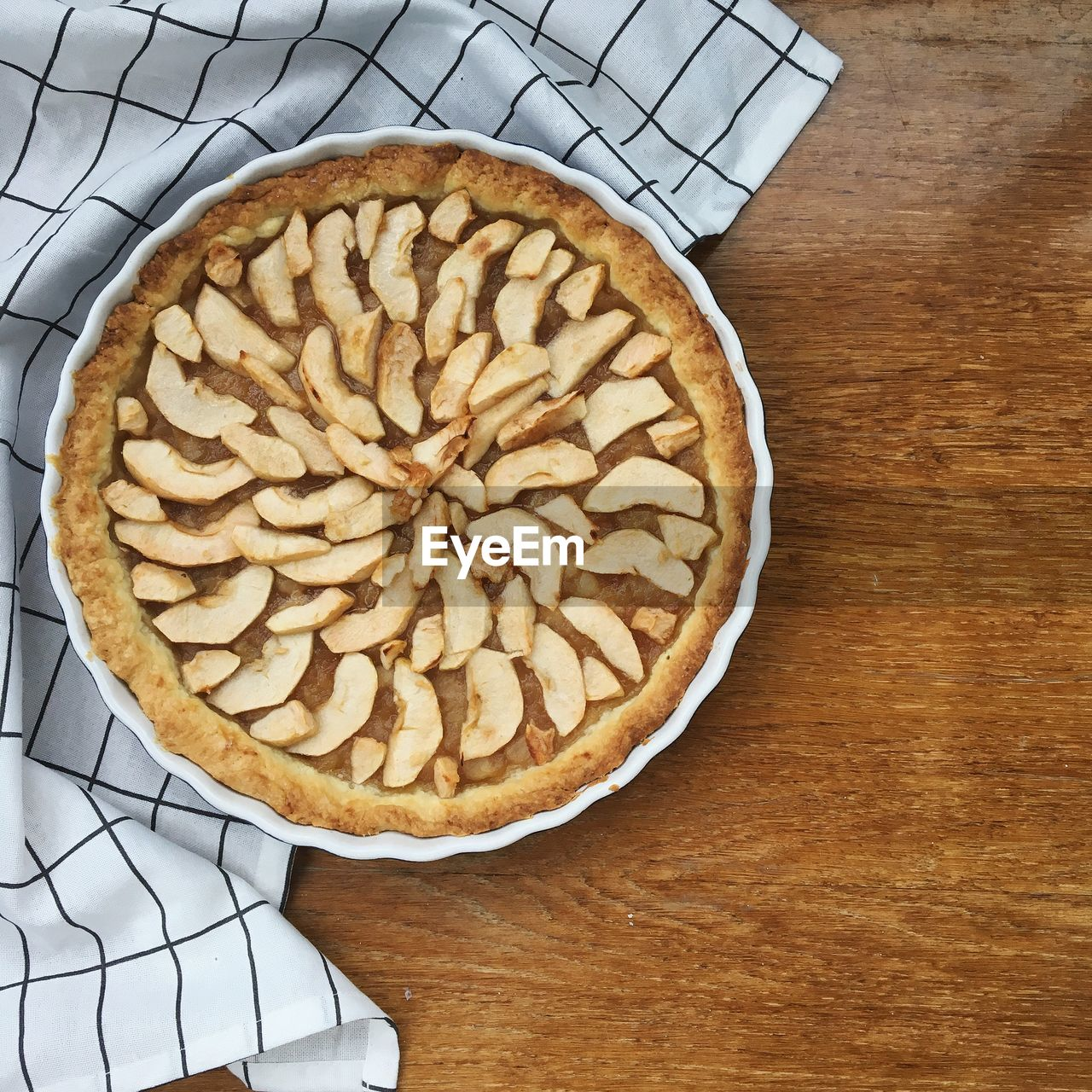food, food and drink, sweet food, freshness, table, dessert, indoors, still life, pie, directly above, high angle view, baked, indulgence, sweet, ready-to-eat, unhealthy eating, no people, apple pie, cake, coffee - drink, temptation, baked pastry item, tart - dessert, breakfast, snack