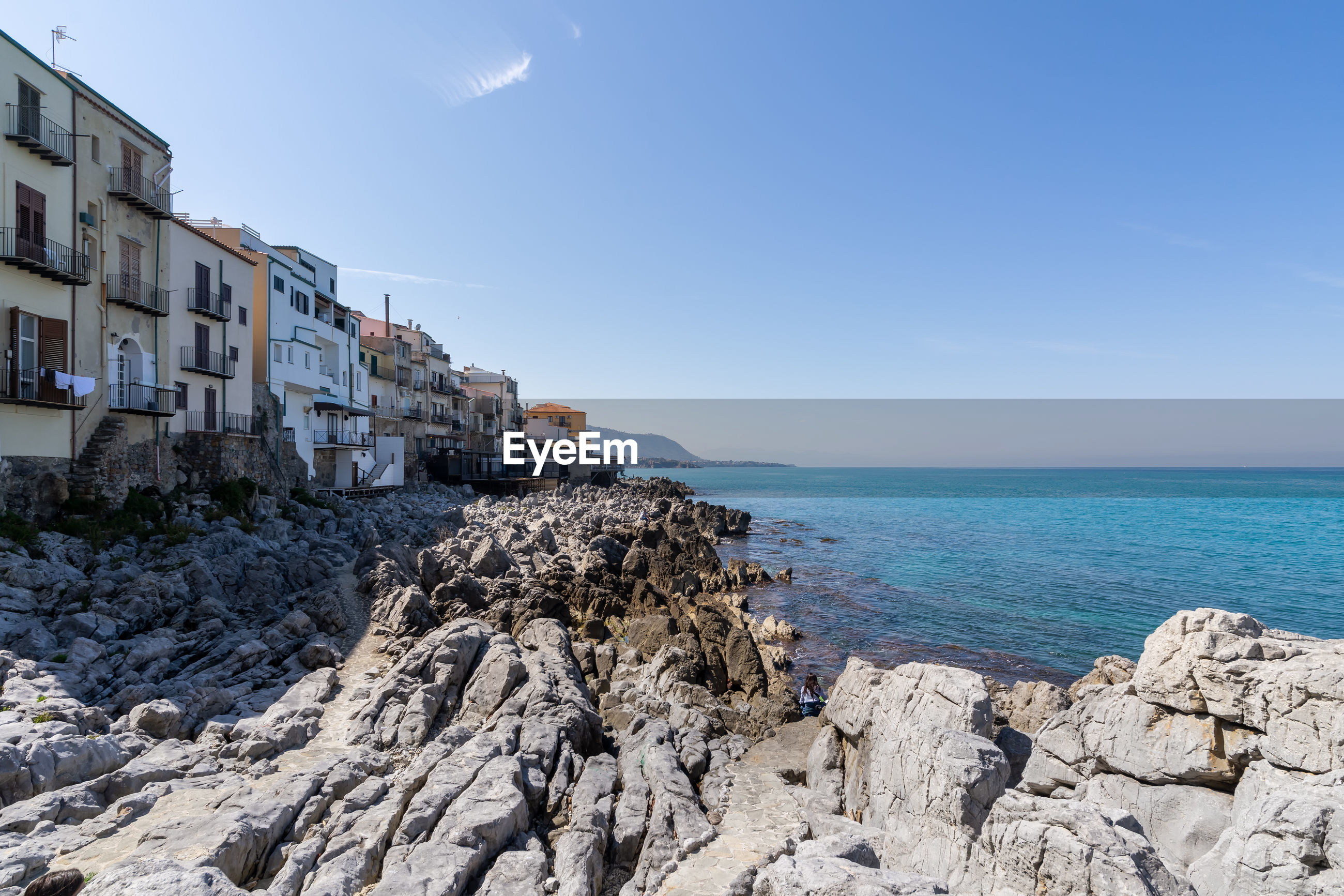 PANORAMIC VIEW OF SEA AGAINST SKY