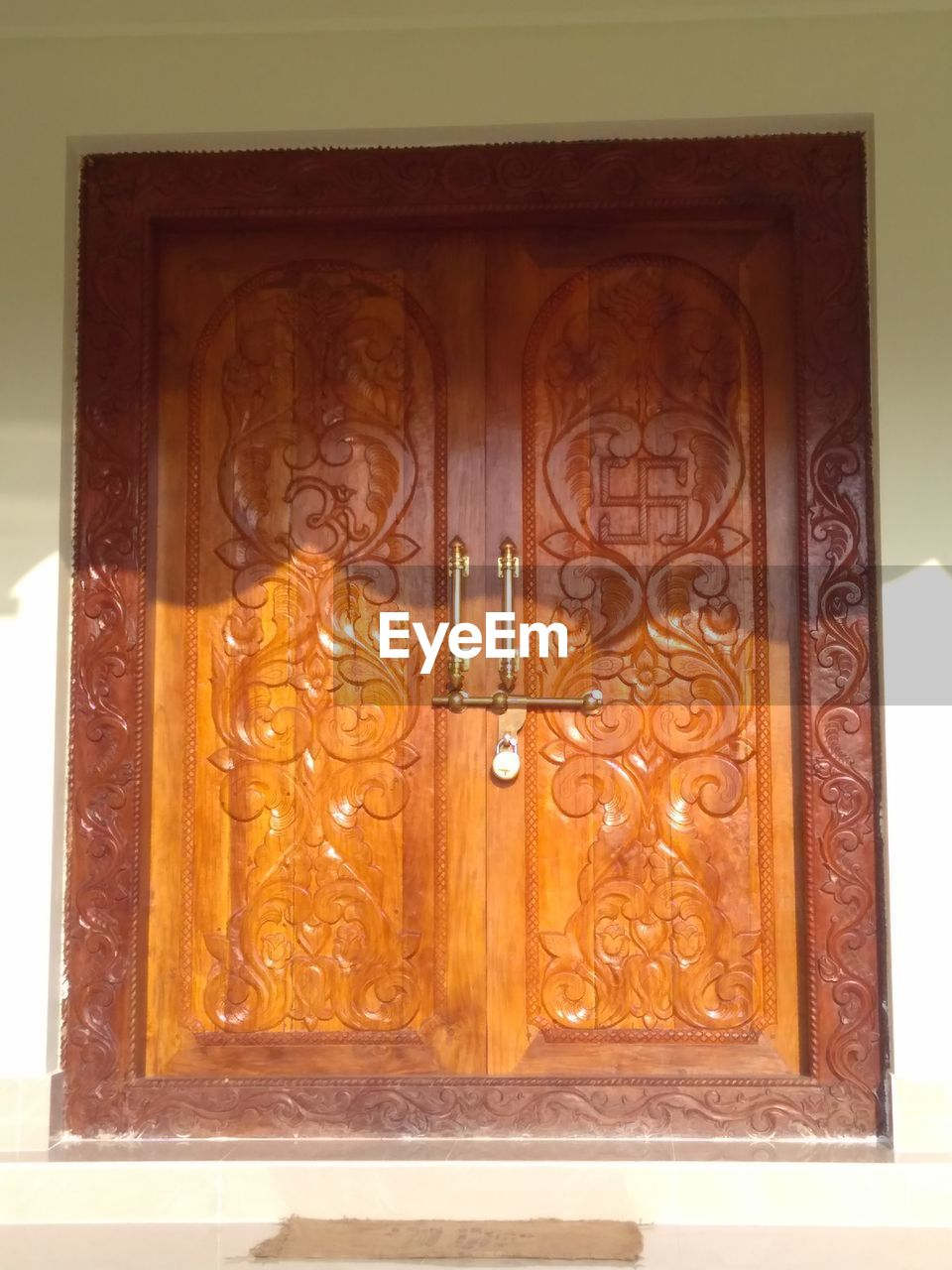 door, entrance, architecture, no people, bas relief, doorway, built structure, day, close-up, outdoors