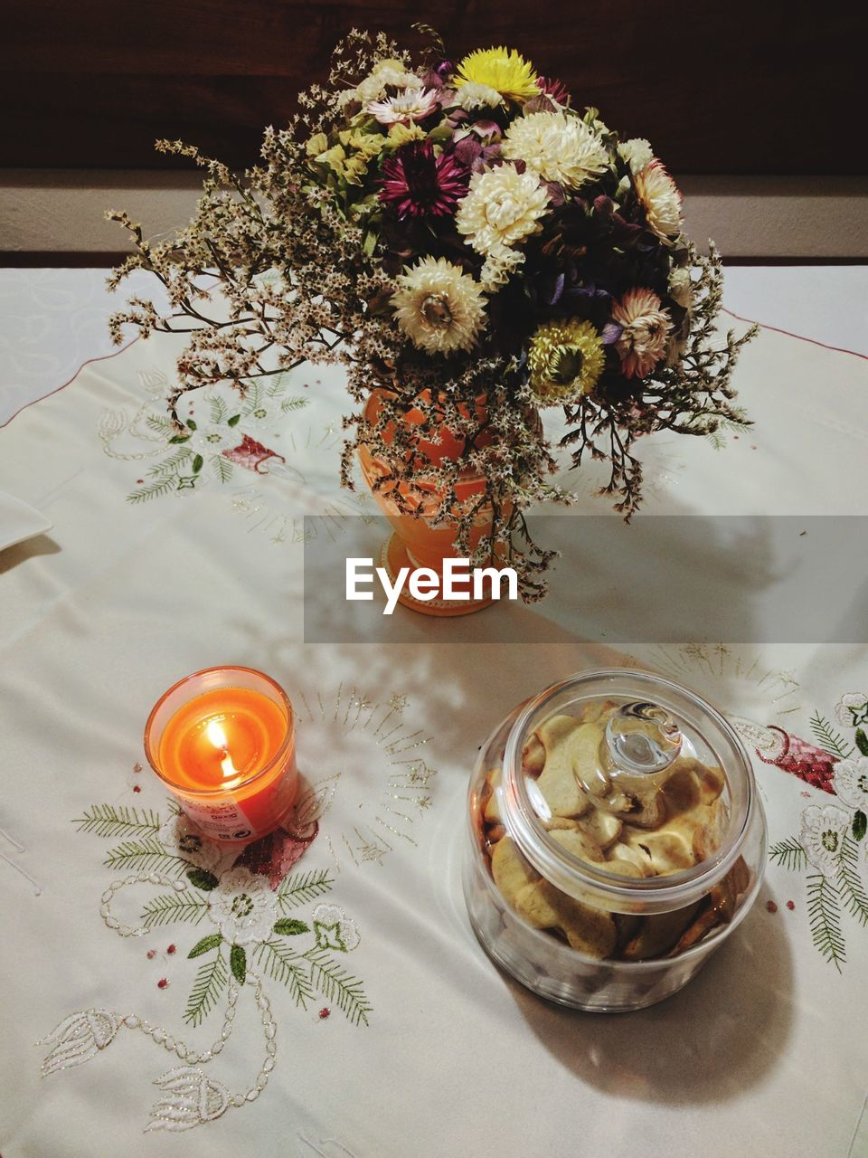 flower, table, vase, plate, indoors, no people, high angle view, freshness, close-up, food, day