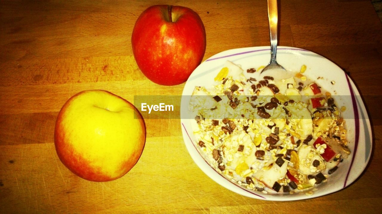food and drink, healthy eating, food, fruit, bowl, freshness, table, apple - fruit, indoors, breakfast, no people, serving size, ready-to-eat, healthy lifestyle, close-up, day