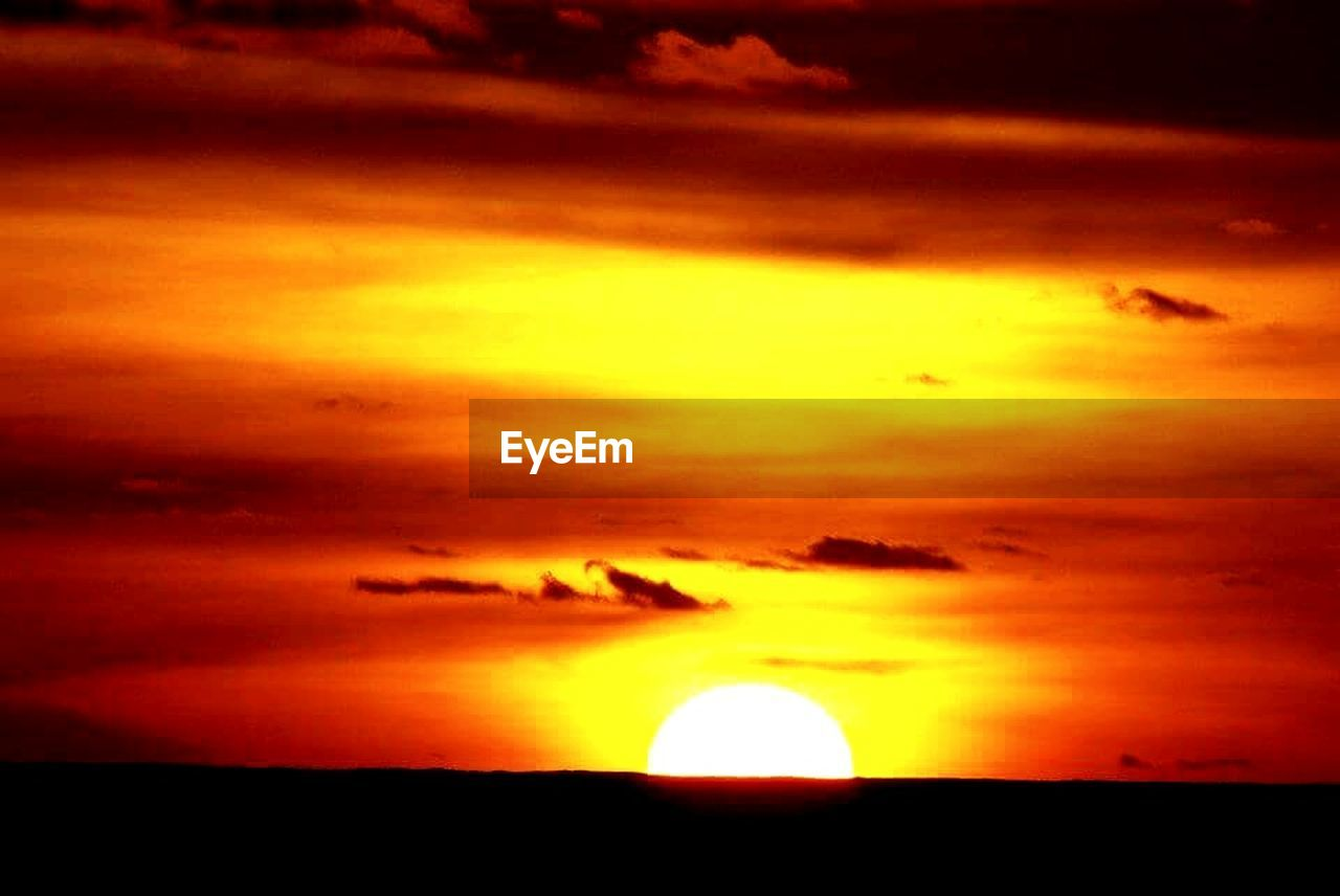 sunset, sun, cloud - sky, sky, silhouette, orange color, beauty in nature, scenics, nature, outdoors, tranquil scene, no people, awe, solar eclipse, astronomy