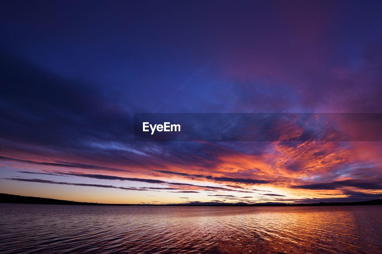 sky, sunset, cloud - sky, water, scenics - nature, sea, beauty in nature, tranquil scene, tranquility, horizon, idyllic, nature, horizon over water, orange color, beach, no people, land, dramatic sky, non-urban scene, outdoors, romantic sky