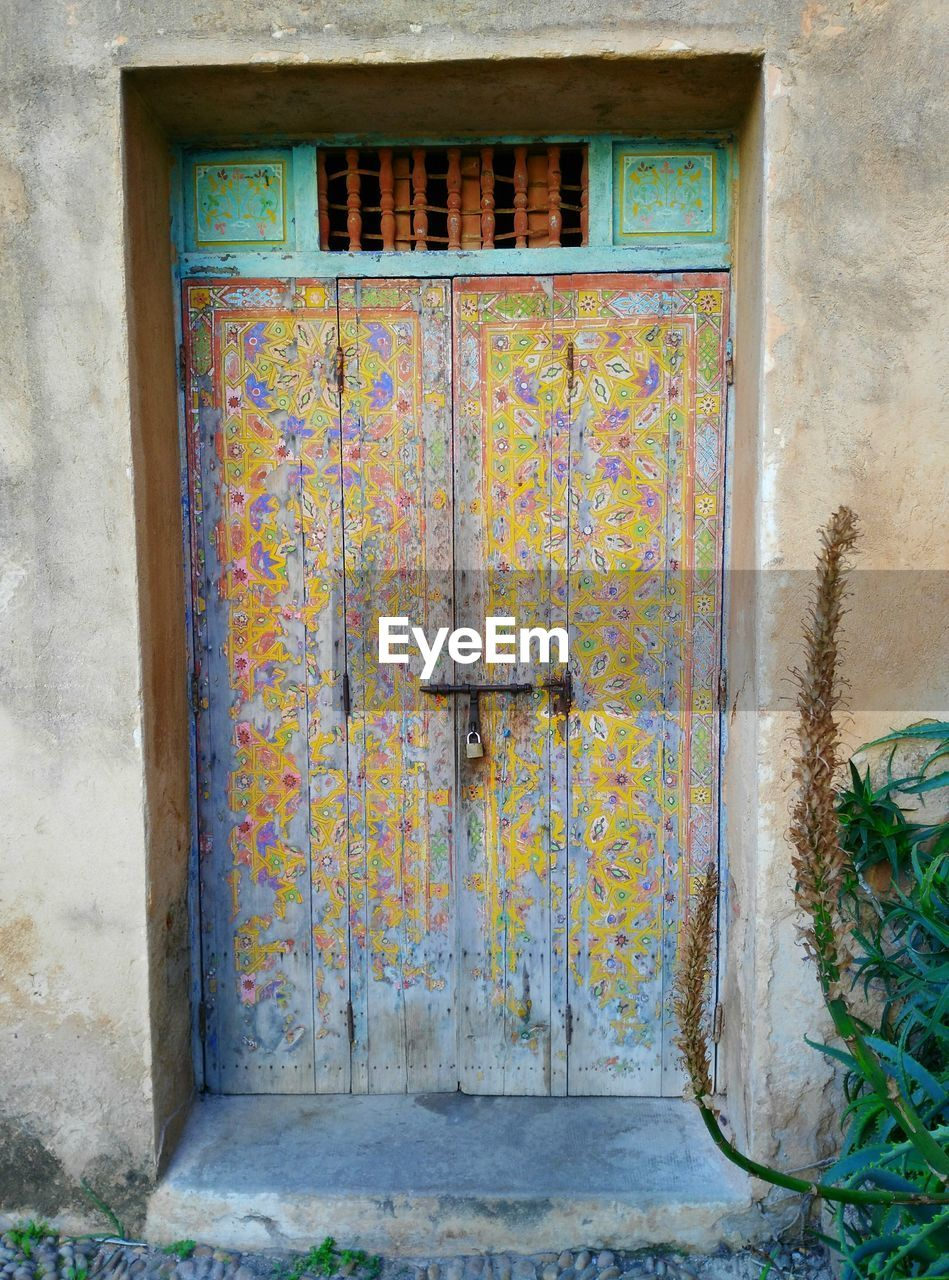 door, architecture, no people, doorway, day, built structure, abandoned, outdoors, close-up