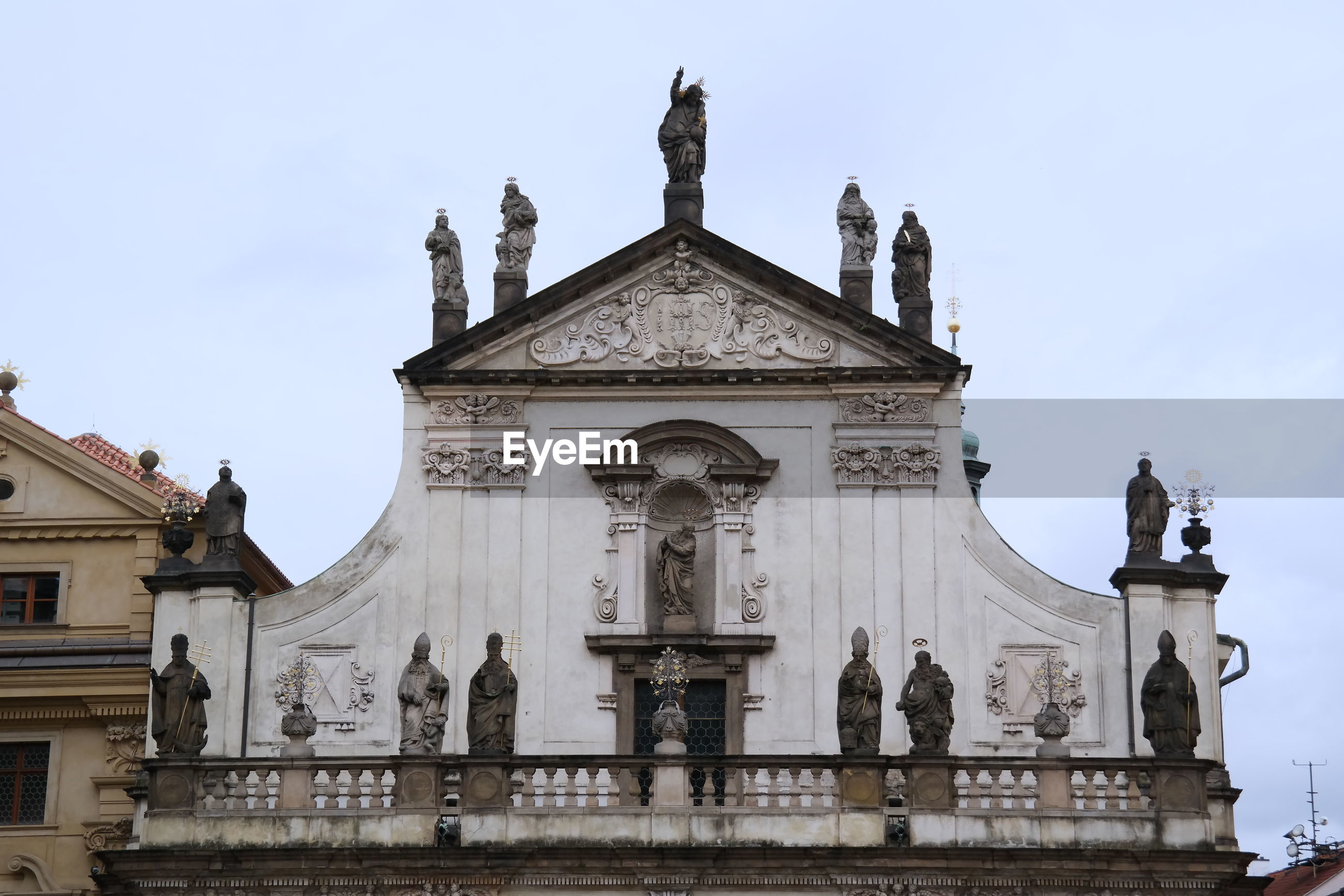 STATUES OF A BUILDING