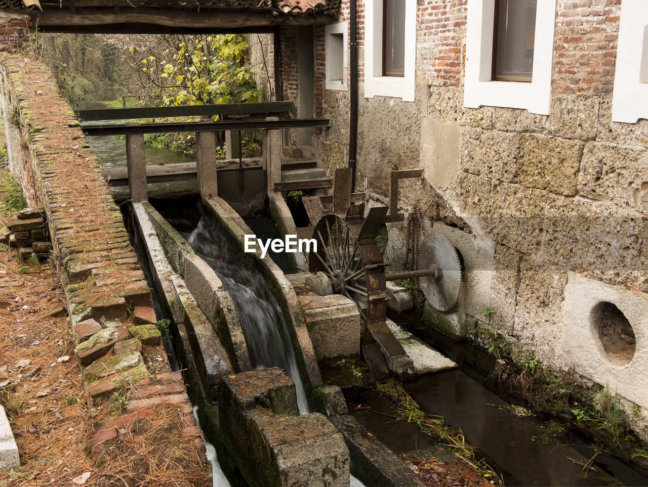 watermill, architecture, water wheel, water, built structure, no people, outdoors, building exterior, day