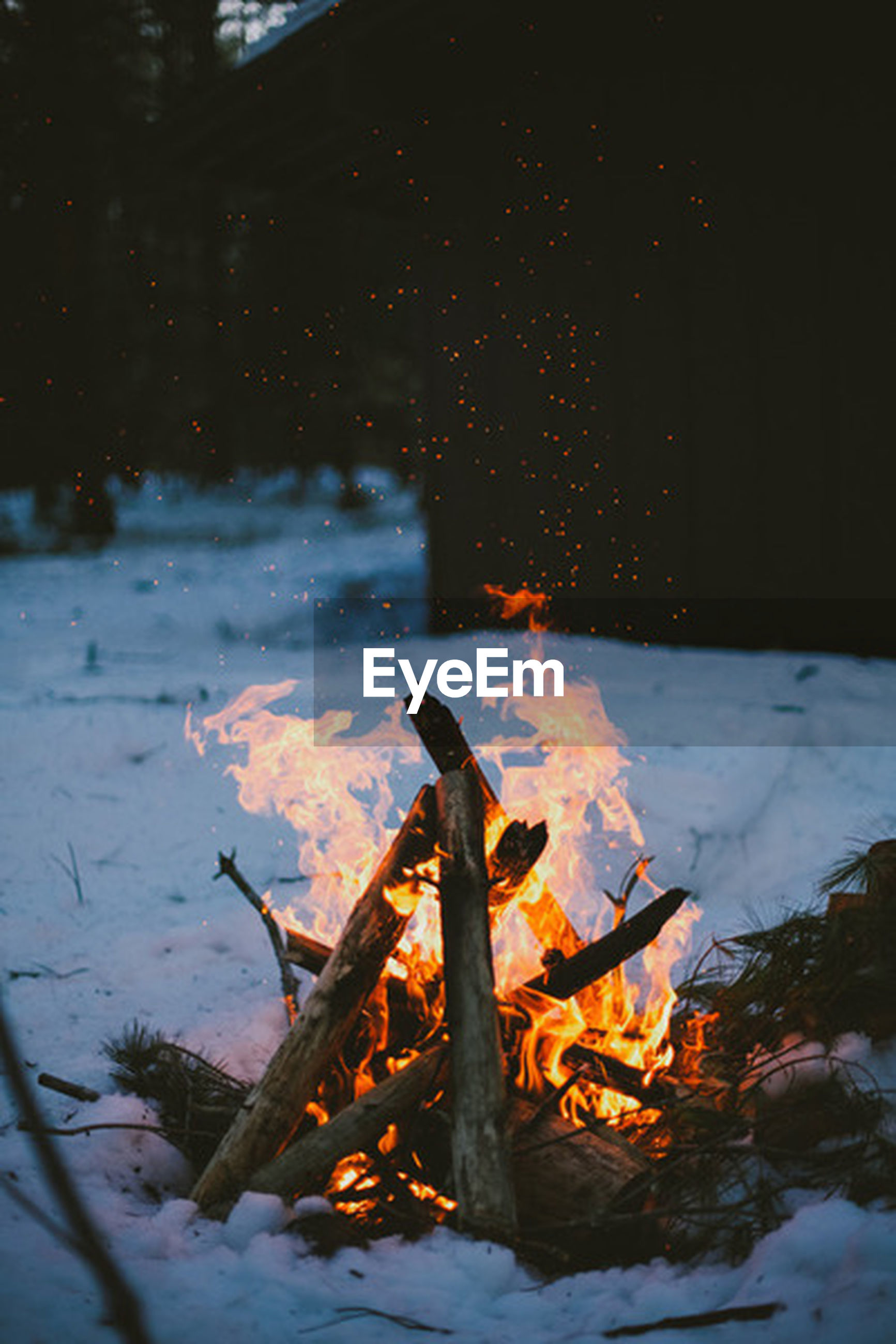 burning, flame, fire - natural phenomenon, heat - temperature, season, orange color, close-up, fire, cold temperature, winter, outdoors, night, firewood, no people, wood - material, glowing, autumn, leaf, bonfire, snow