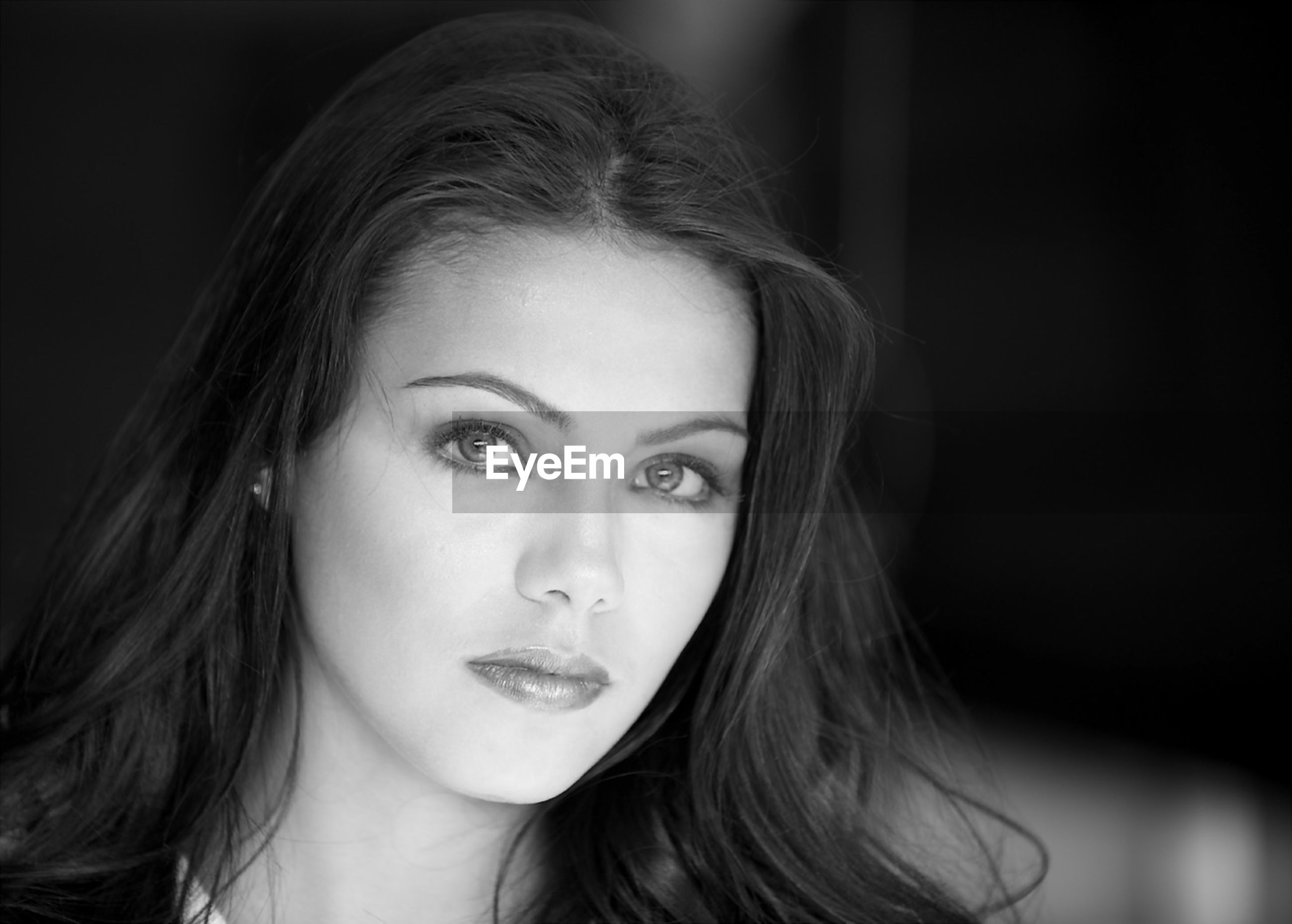 headshot, person, portrait, young women, looking at camera, young adult, long hair, close-up, lifestyles, front view, indoors, head and shoulders, human face, focus on foreground, contemplation, leisure activity