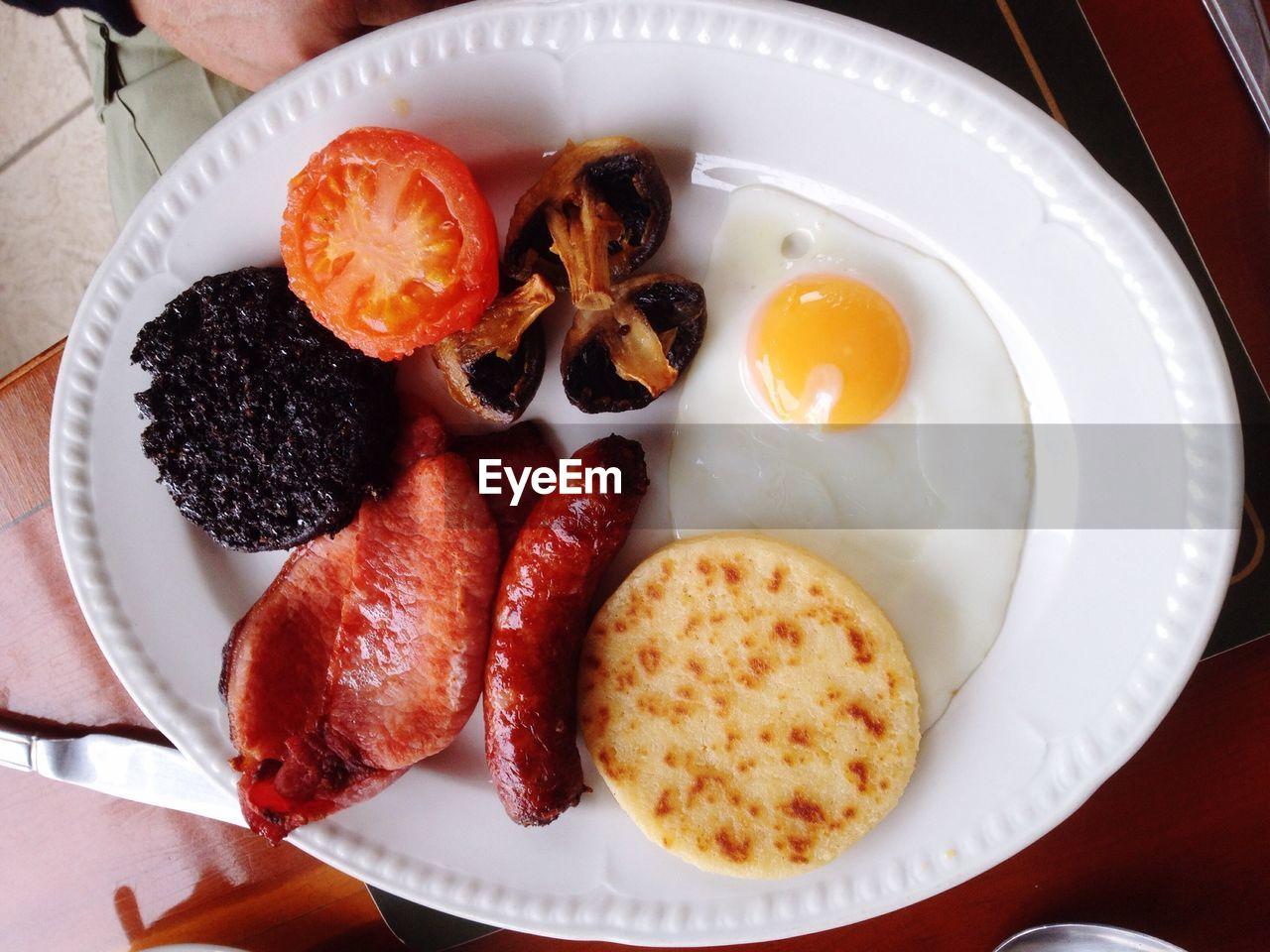 food, food and drink, plate, breakfast, freshness, healthy eating, indoors, ready-to-eat, no people, high angle view, serving size, fruit, close-up, day