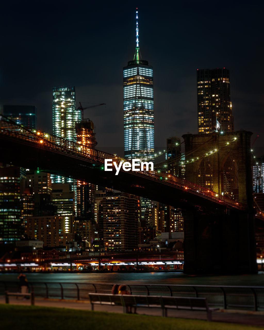 The brooklyn bridge in night time