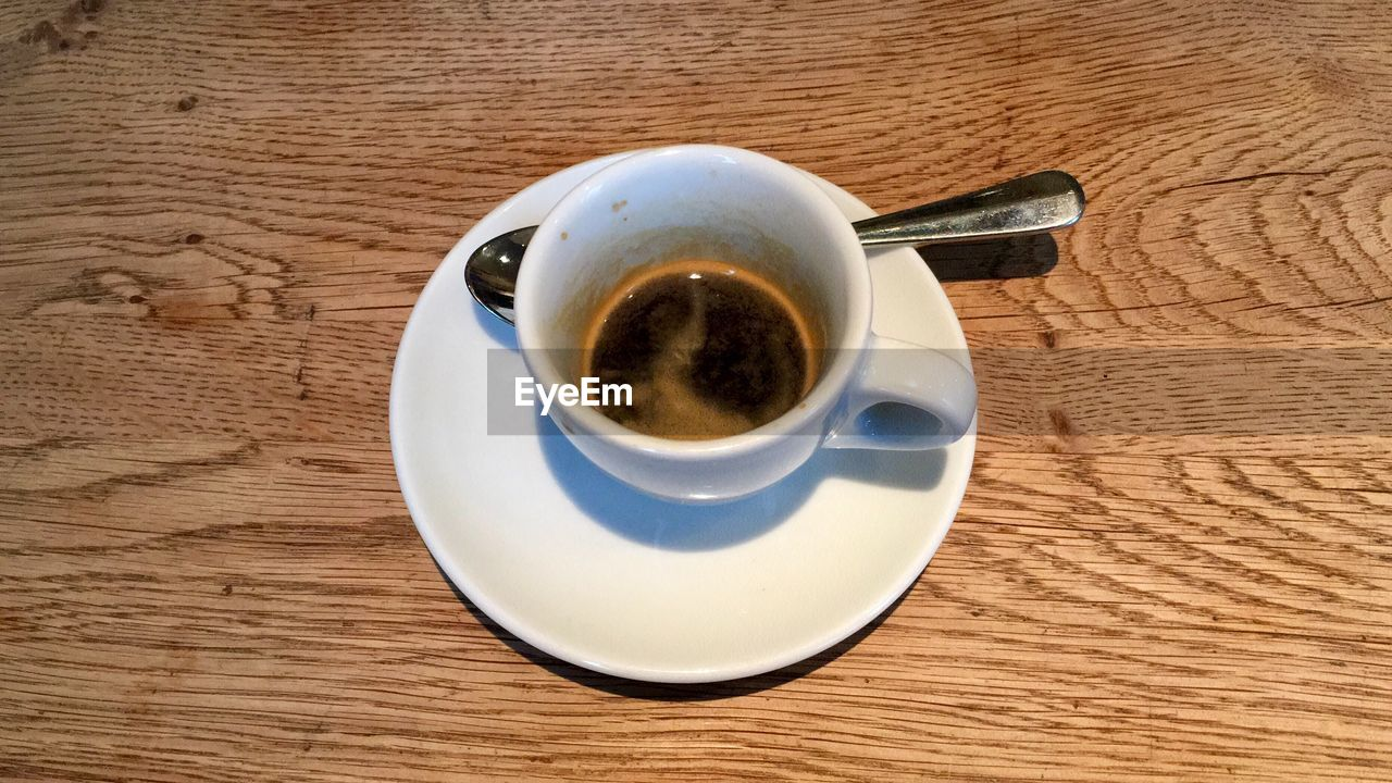 drink, refreshment, coffee cup, coffee - drink, food and drink, saucer, table, cup, freshness, beverage, frothy drink, no people, close-up, indoors, day
