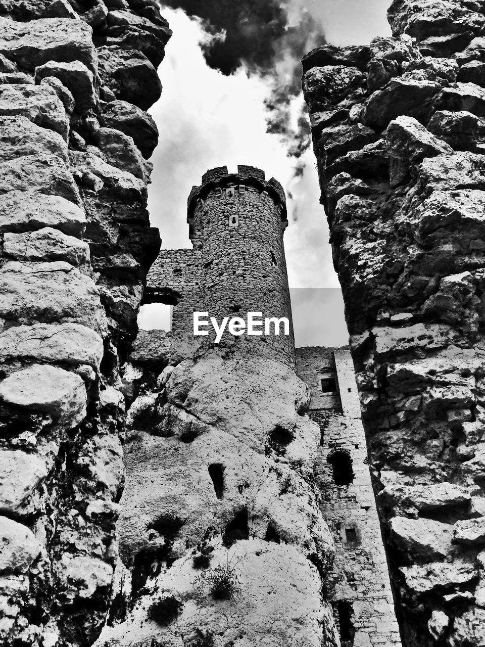 Low angle view of ogrodzieniec castle