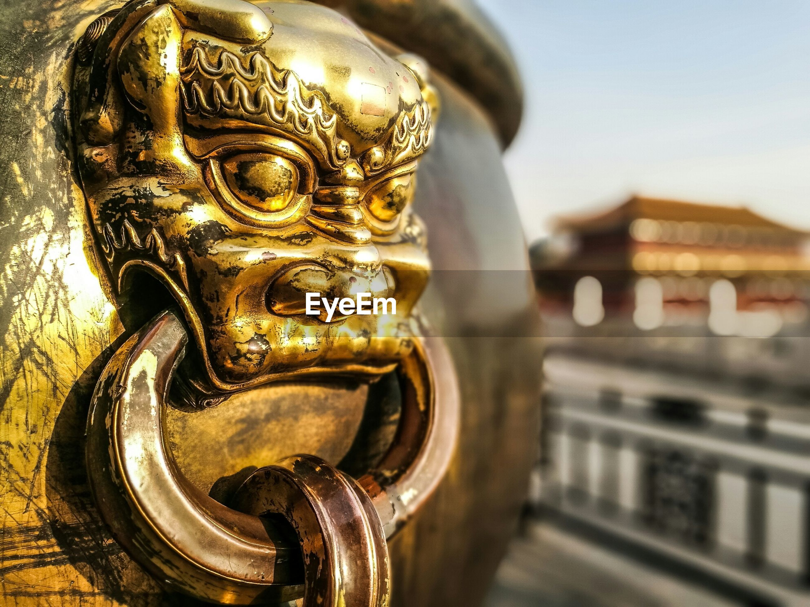 metal, focus on foreground, architecture, close-up, built structure, building exterior, metallic, history, railing, city, no people, day, transportation, travel, part of, outdoors, connection, famous place, sculpture, old