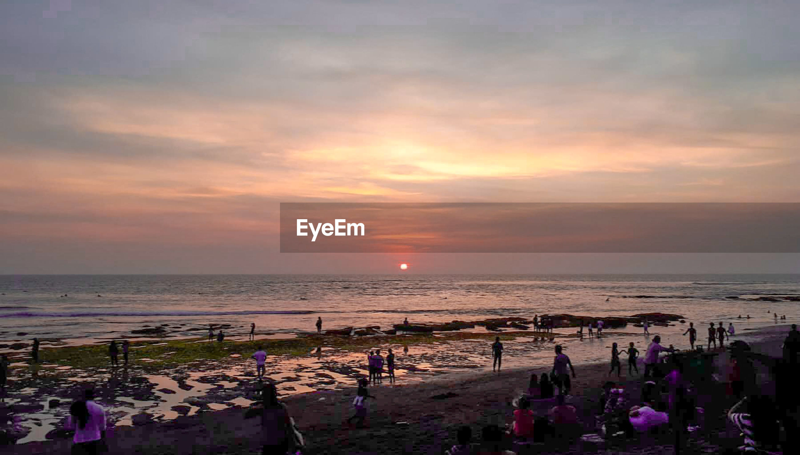 sky, water, sea, sunset, beach, cloud - sky, beauty in nature, horizon, horizon over water, land, scenics - nature, group of people, large group of people, nature, crowd, tranquility, tranquil scene, vacations, real people, outdoors