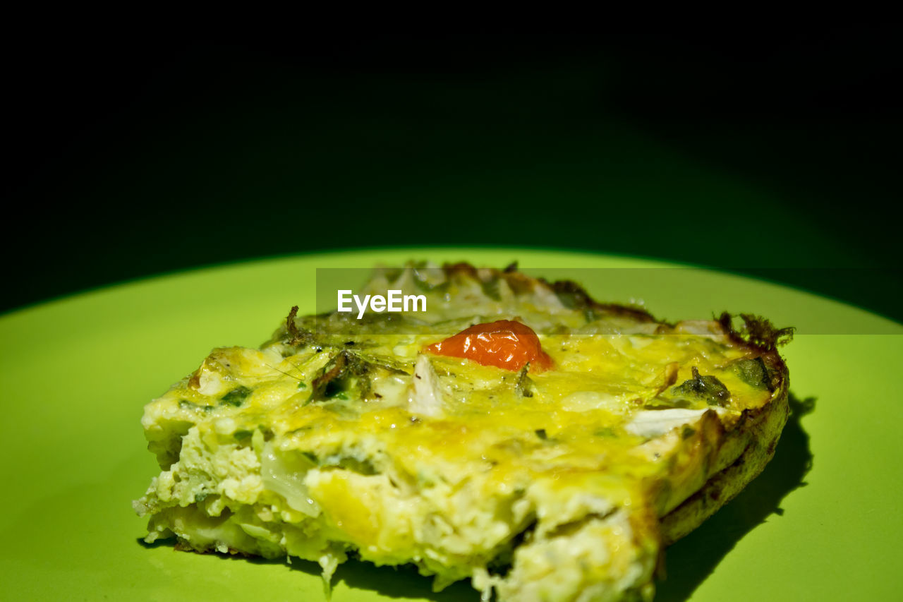 food and drink, food, plate, freshness, ready-to-eat, selective focus, close-up, no people, green color, indulgence, serving size, healthy eating, indoors, studio shot, day