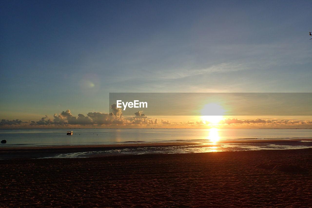 water, sky, sea, beach, scenics - nature, land, beauty in nature, sunset, horizon over water, horizon, tranquil scene, tranquility, cloud - sky, sun, nature, idyllic, sand, no people, sunlight, outdoors