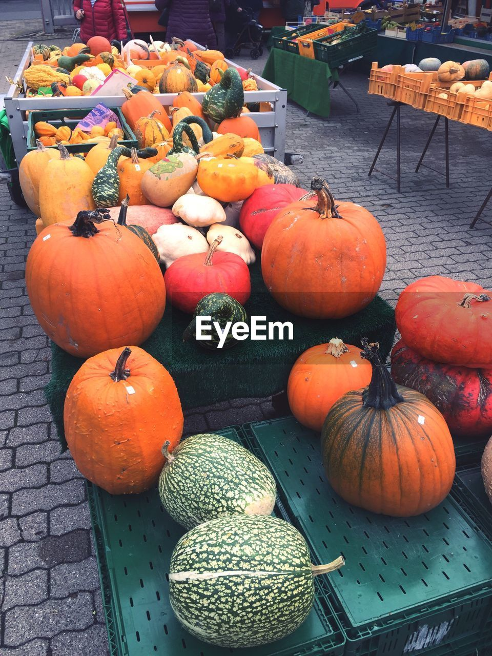 pumpkin, vegetable, food and drink, halloween, food, orange color, for sale, no people, day, healthy eating, market, retail, table, squash - vegetable, choice, outdoors, freshness, gourd, jack o lantern, close-up