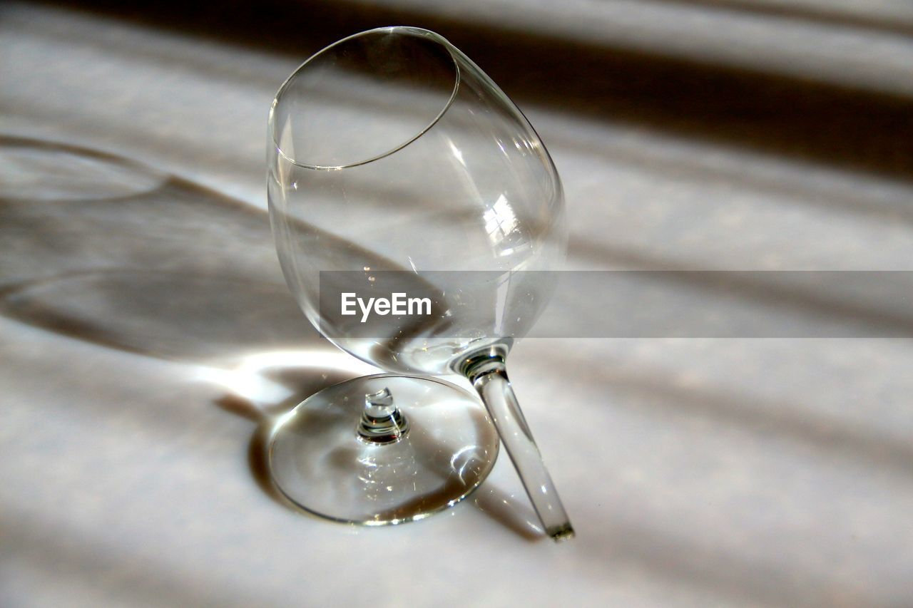 no people, close-up, table, indoors, focus on foreground, fragility, day, freshness