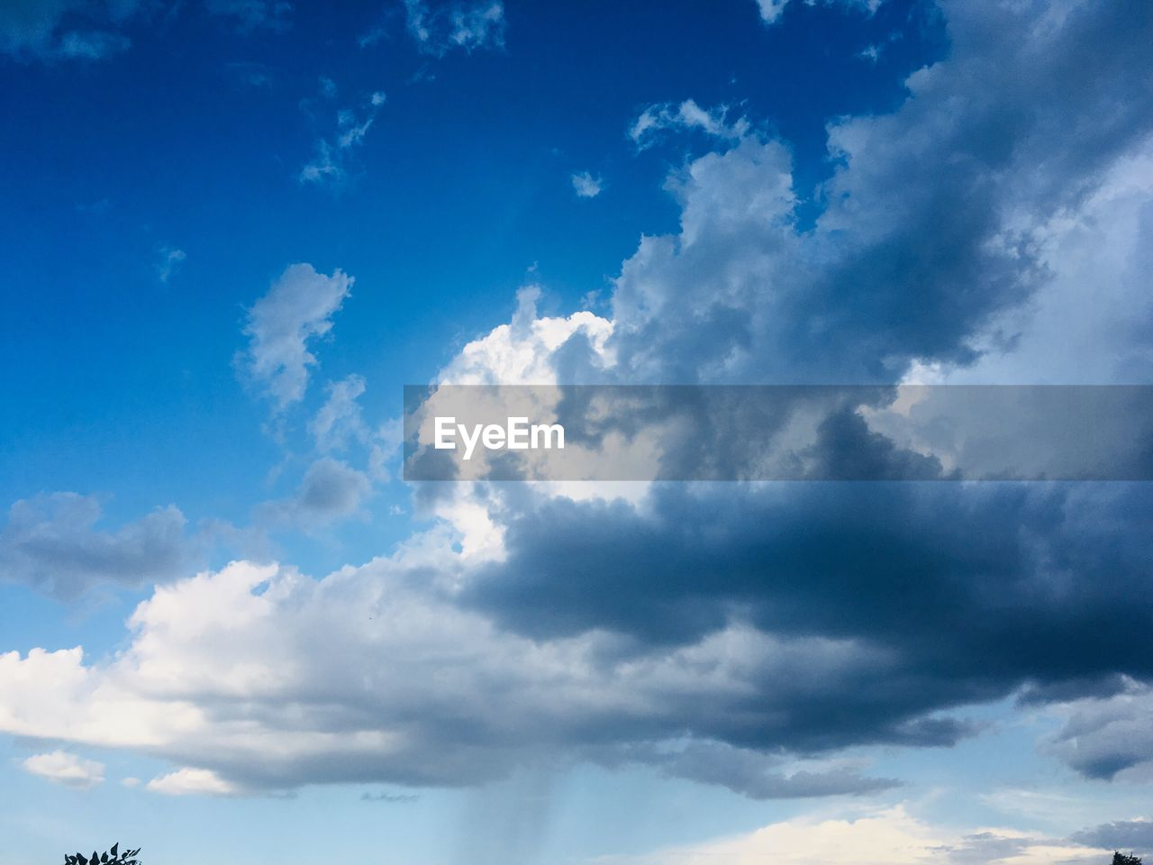 cloud - sky, sky, beauty in nature, low angle view, scenics - nature, tranquility, nature, no people, blue, tranquil scene, day, outdoors, backgrounds, idyllic, white color, cloudscape, sunlight, non-urban scene, environment, meteorology