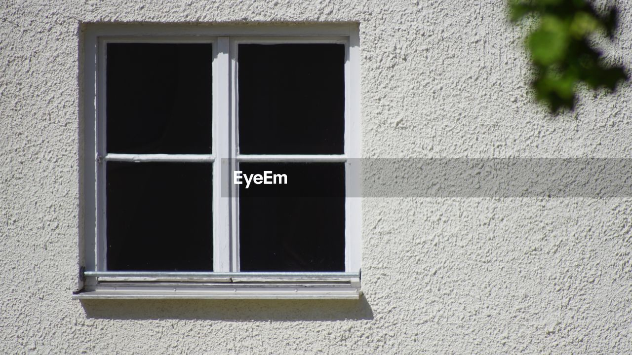 window, built structure, architecture, building exterior, building, no people, wall - building feature, day, glass - material, house, outdoors, window frame, wall, rectangle, geometric shape, transparent, safety, close-up, grid, security