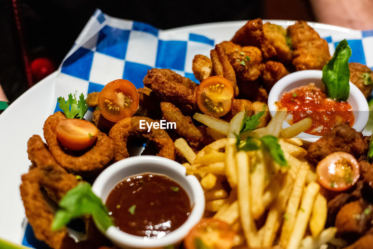 ready-to-eat, food and drink, food, freshness, close-up, plate, still life, indoors, bowl, serving size, no people, healthy eating, meat, vegetable, table, indulgence, selective focus, fast food, meal, fried, garnish, snack, crockery, savory sauce