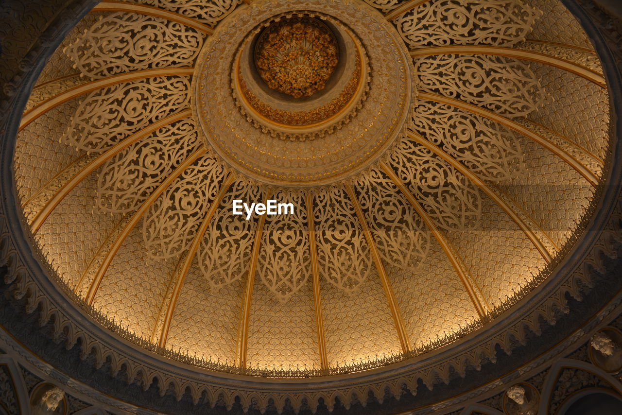 architecture, low angle view, indoors, built structure, architectural design, history, pattern, dome, no people, travel destinations, day, close-up