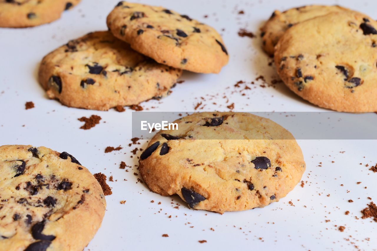food and drink, food, baked, cookie, sweet food, chocolate chip cookie, chocolate, freshness, no people, chocolate chip, still life, close-up, indoors, indulgence, ready-to-eat, plate, temptation, unhealthy eating, dessert, sweet, snack