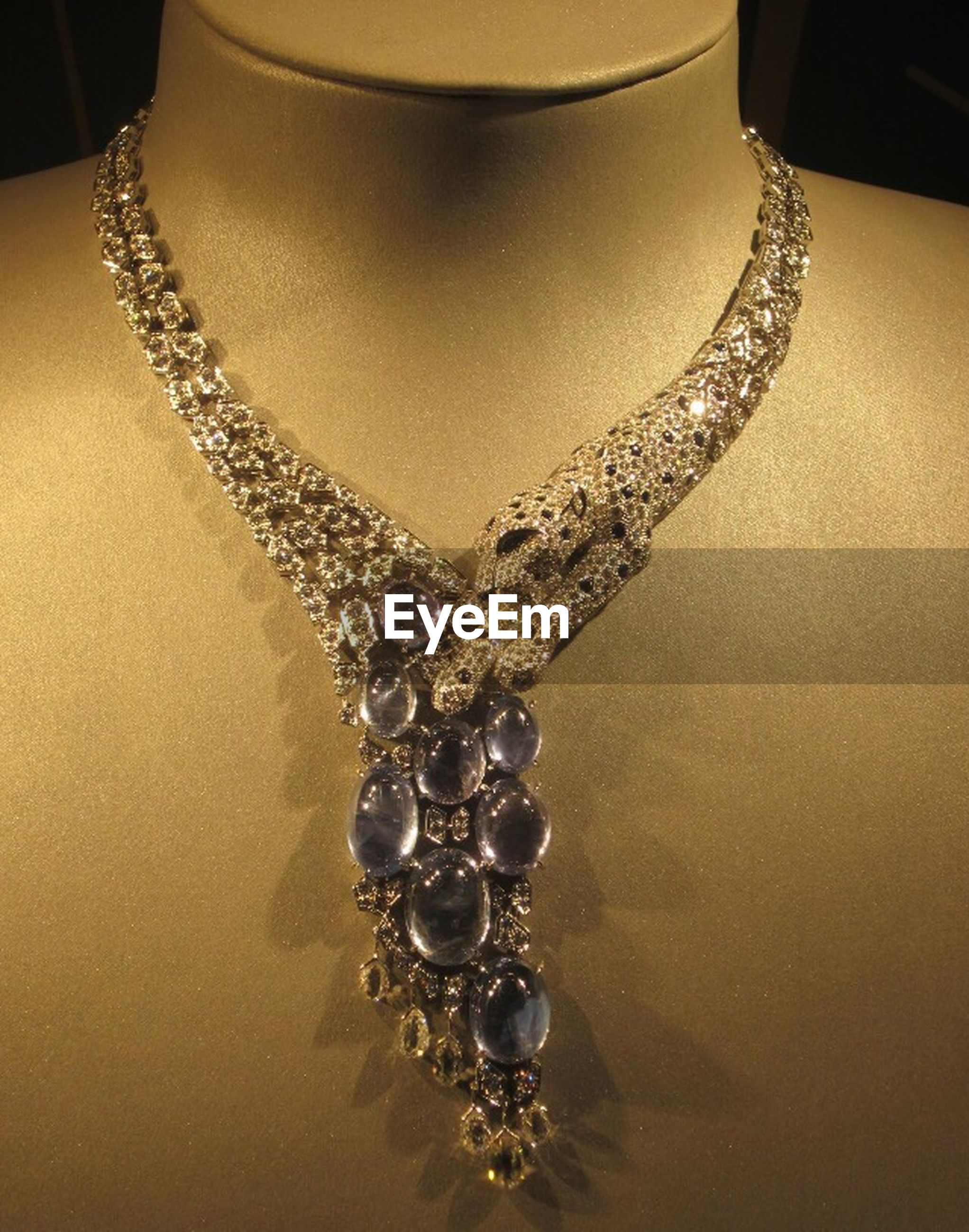 necklace, luxury, jewelry, wealth, elegance, still life, no people, design, gold colored, indoors, close-up, jewelry store, shiny, fashion