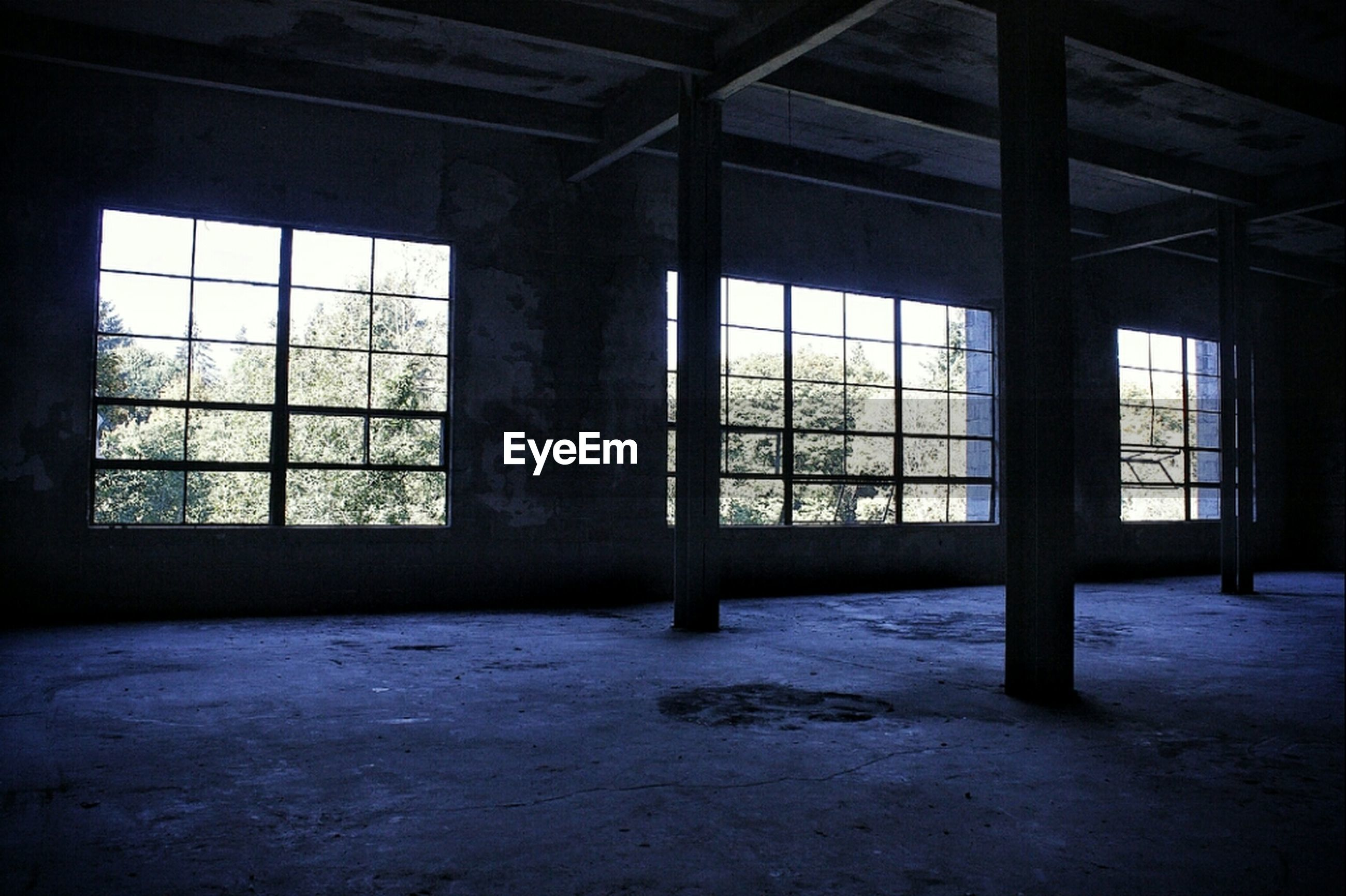 indoors, window, abandoned, interior, obsolete, architecture, built structure, glass - material, damaged, run-down, empty, ceiling, absence, flooring, deterioration, transparent, old, home interior, door, room