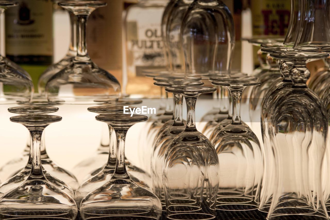 UPSIDE DOWN IMAGE OF GLASSES IN GLASS