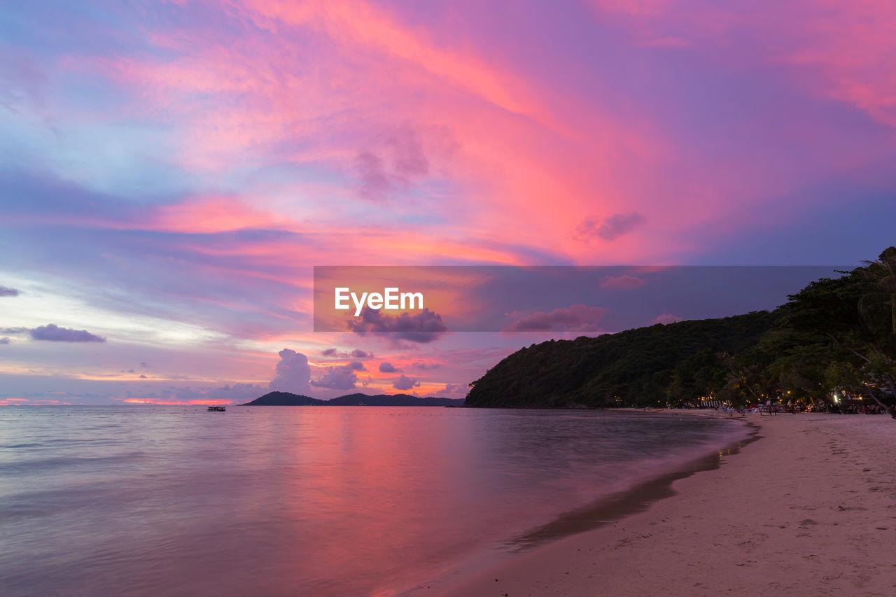 water, sky, beauty in nature, scenics - nature, sea, cloud - sky, tranquil scene, sunset, tranquility, land, beach, nature, no people, idyllic, non-urban scene, horizon over water, horizon, outdoors, mountain