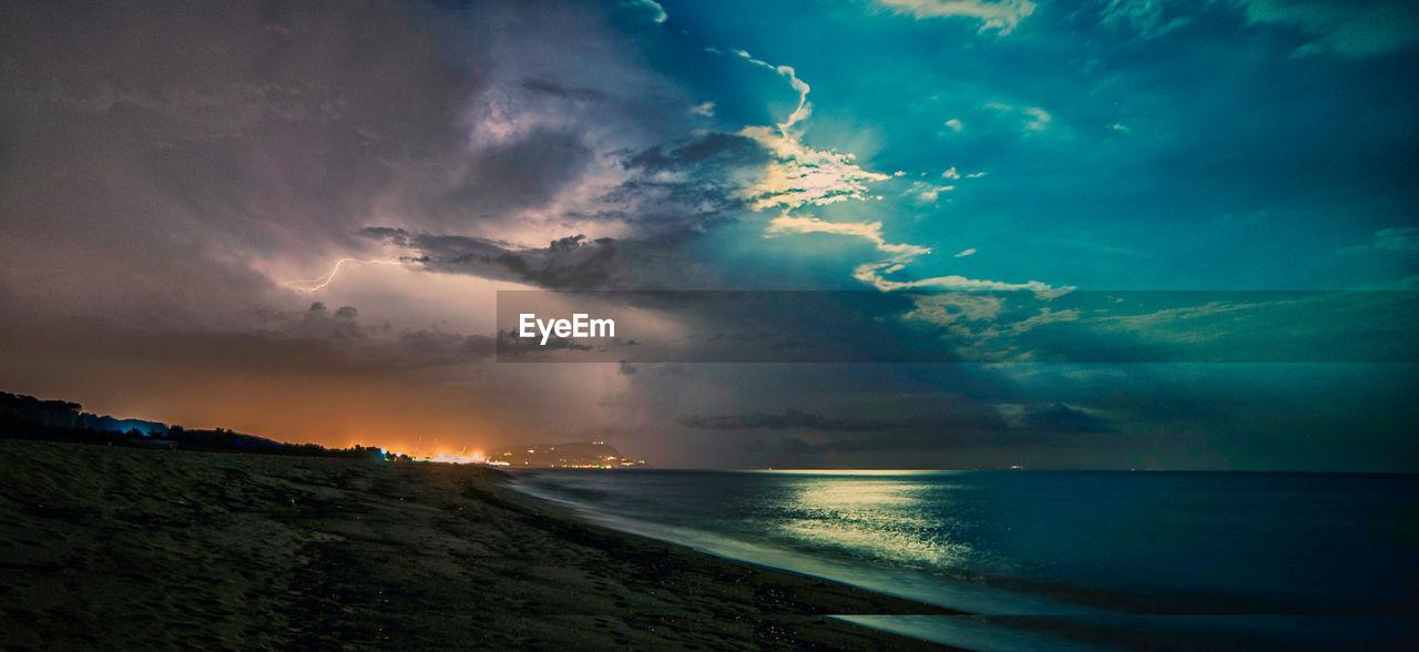 sky, cloud - sky, water, sea, beauty in nature, scenics - nature, tranquility, tranquil scene, horizon, horizon over water, sunset, nature, no people, land, beach, idyllic, non-urban scene, outdoors, power in nature