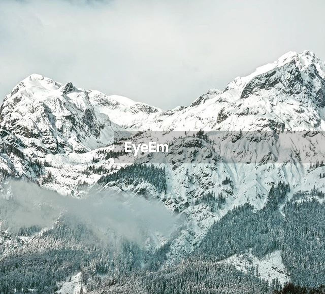snow, mountain, beauty in nature, nature, cold temperature, scenics, winter, snowcapped mountain, mountain range, no people, tranquil scene, outdoors, landscape, water, glacier, day, sky