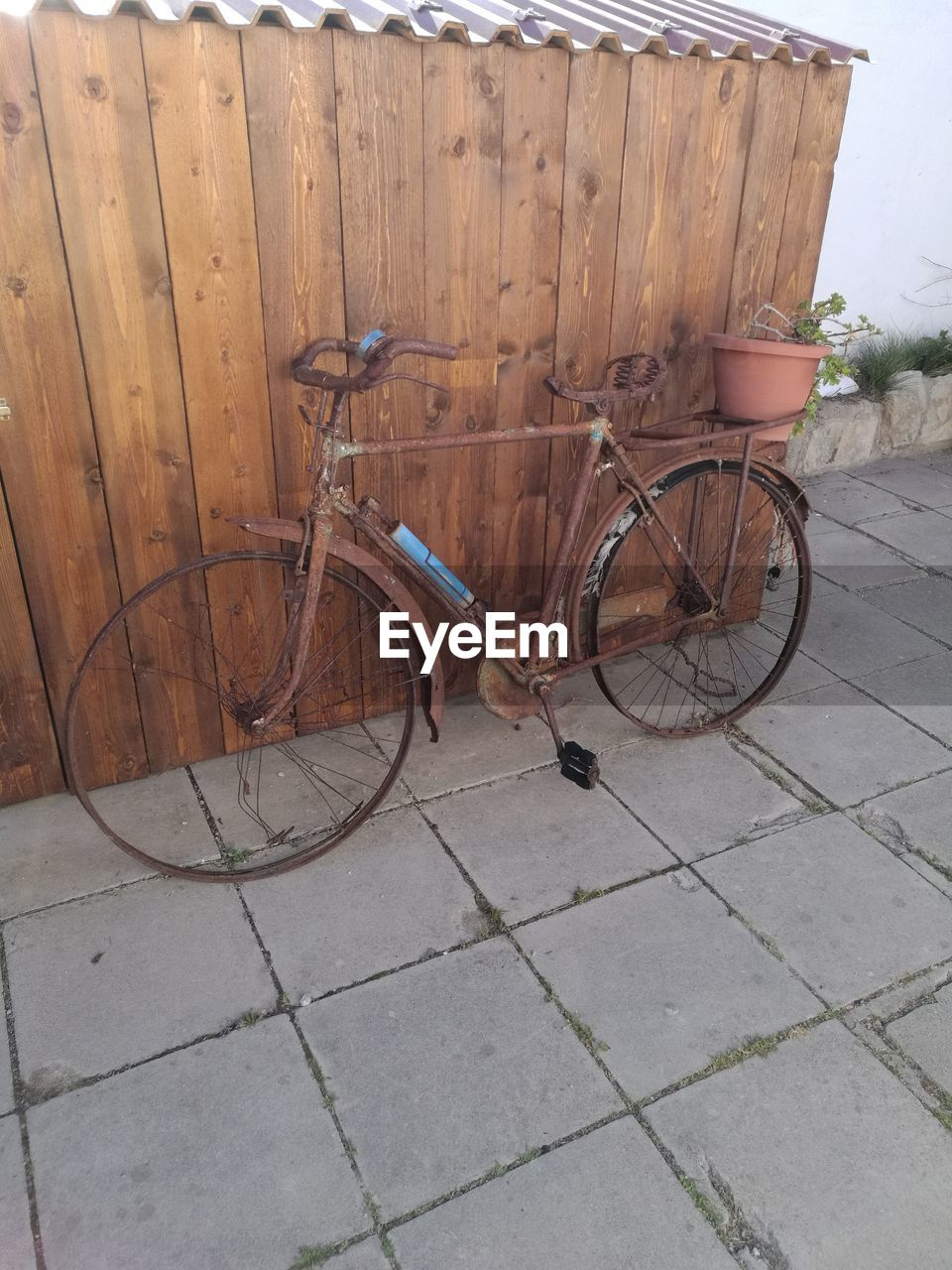 bicycle, stationary, transportation, outdoors, no people, day