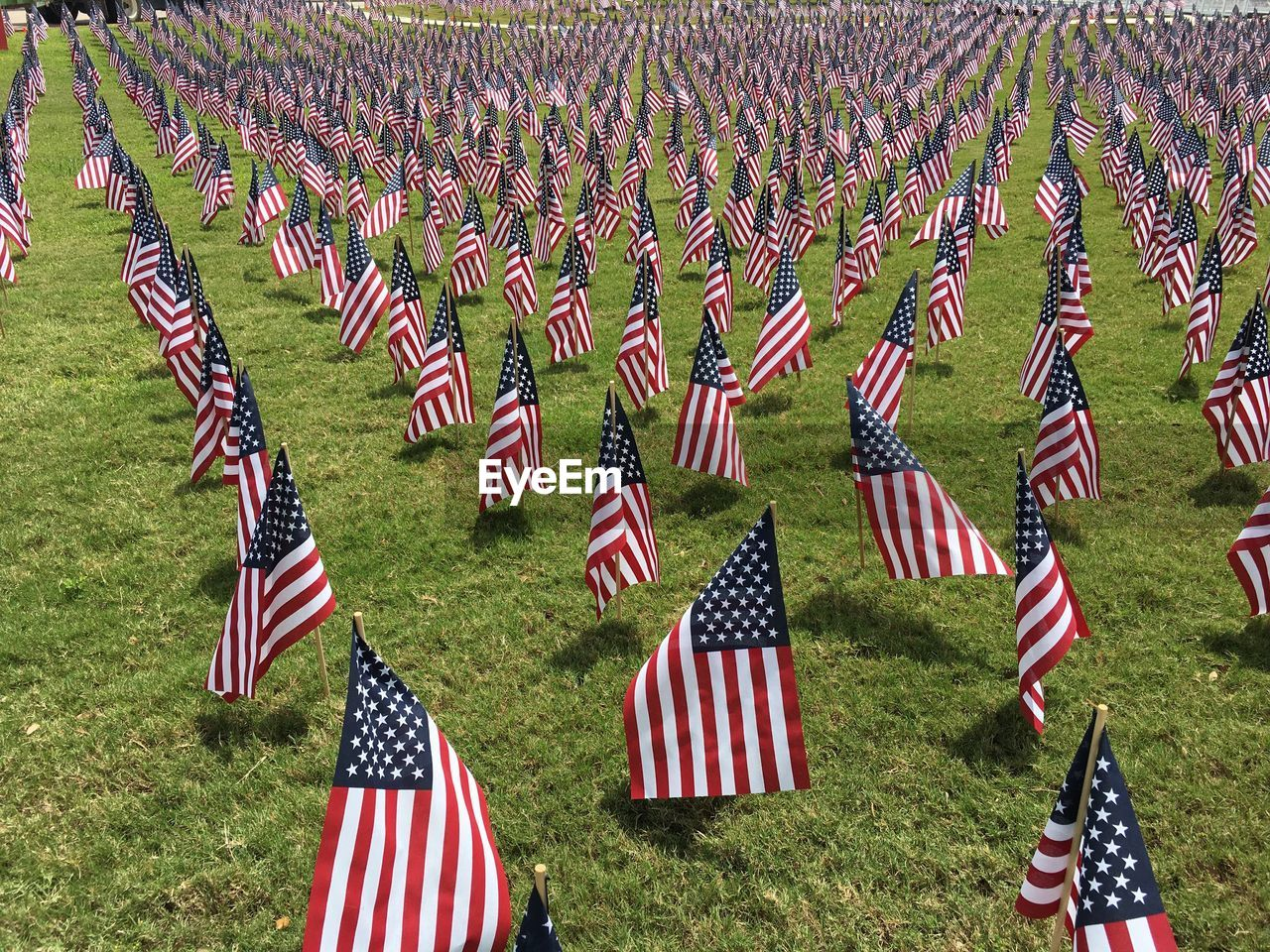 flag, patriotism, memorial, armed forces, grave, cemetery, military, government, striped, no people, emotion, tombstone, red, war memorial, pride, outdoors