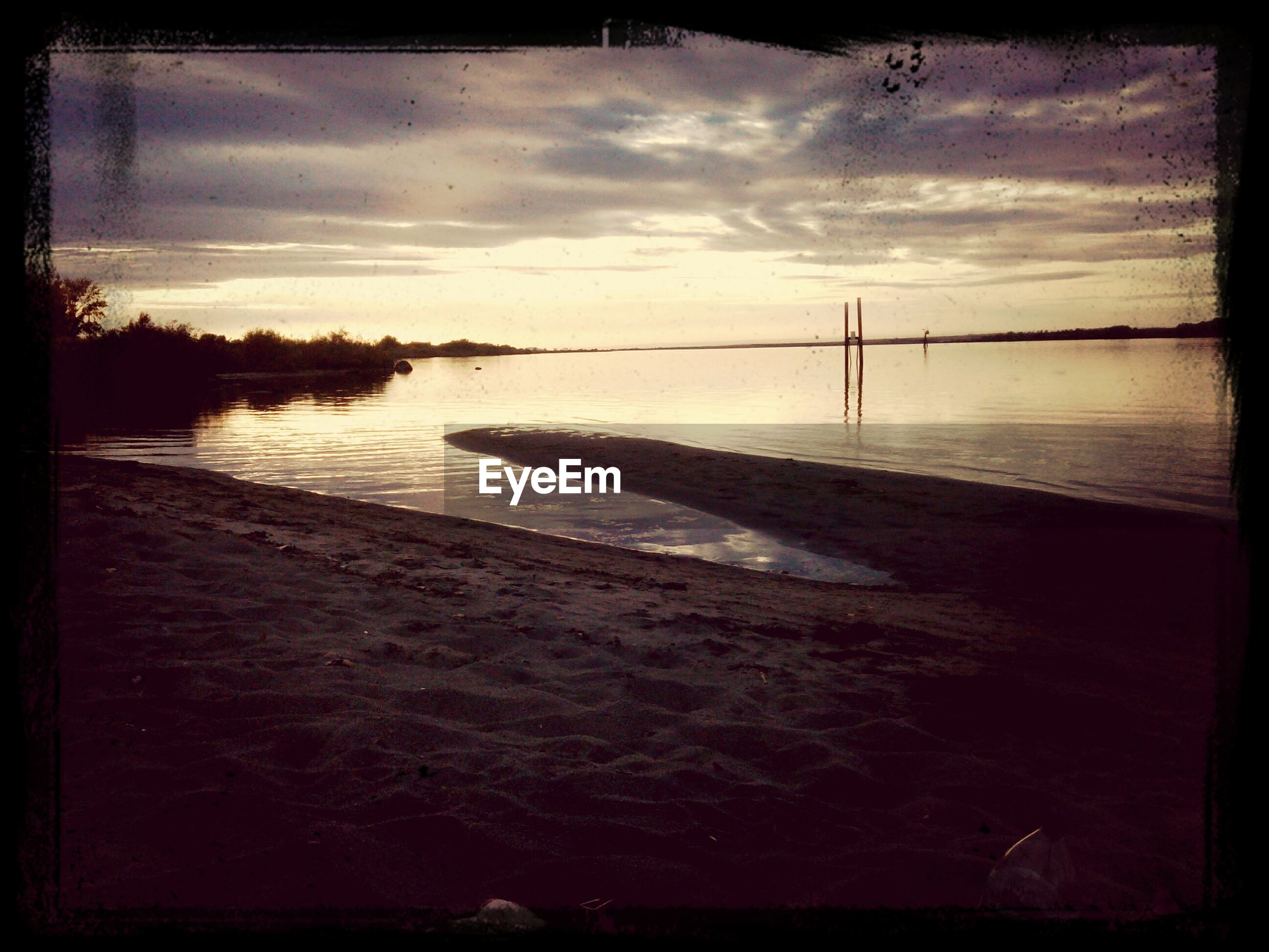 transfer print, water, auto post production filter, sky, sunset, sea, tranquil scene, tranquility, scenics, cloud - sky, beauty in nature, nature, cloud, reflection, river, silhouette, dusk, rippled, lake, idyllic