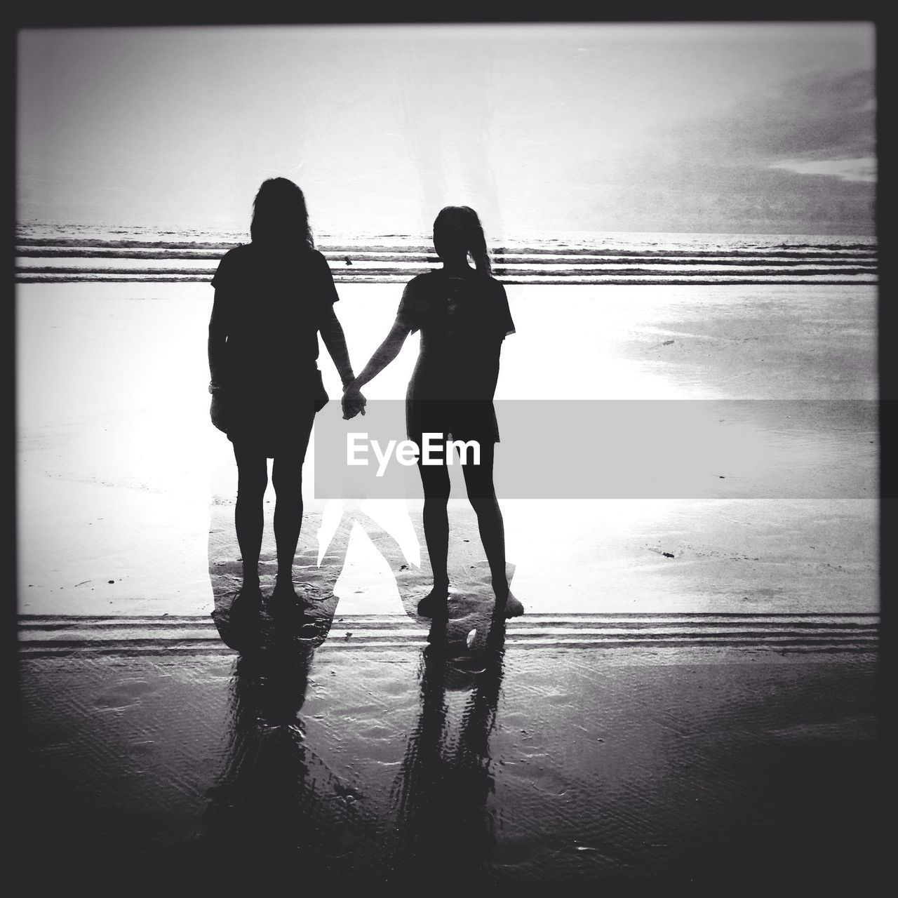 two people, real people, women, togetherness, friendship, full length, sea, standing, water, indoors, day, adult, people