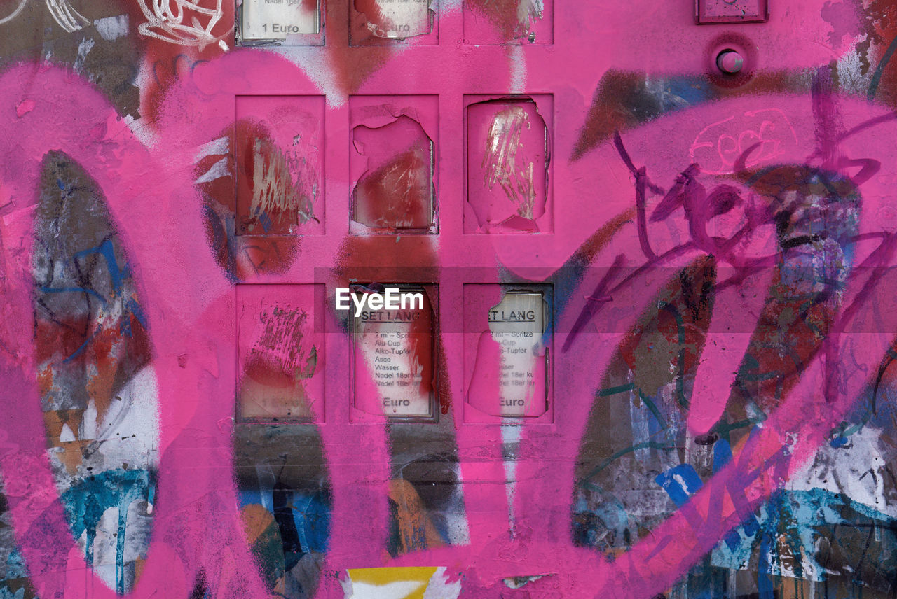 graffiti, text, full frame, communication, no people, backgrounds, day, architecture, outdoors, close-up