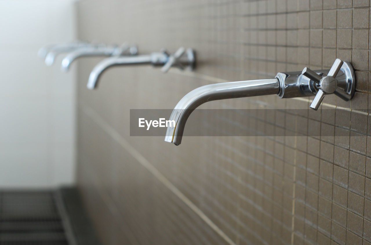 metal, no people, focus on foreground, close-up, faucet, tap, day, indoors, architecture