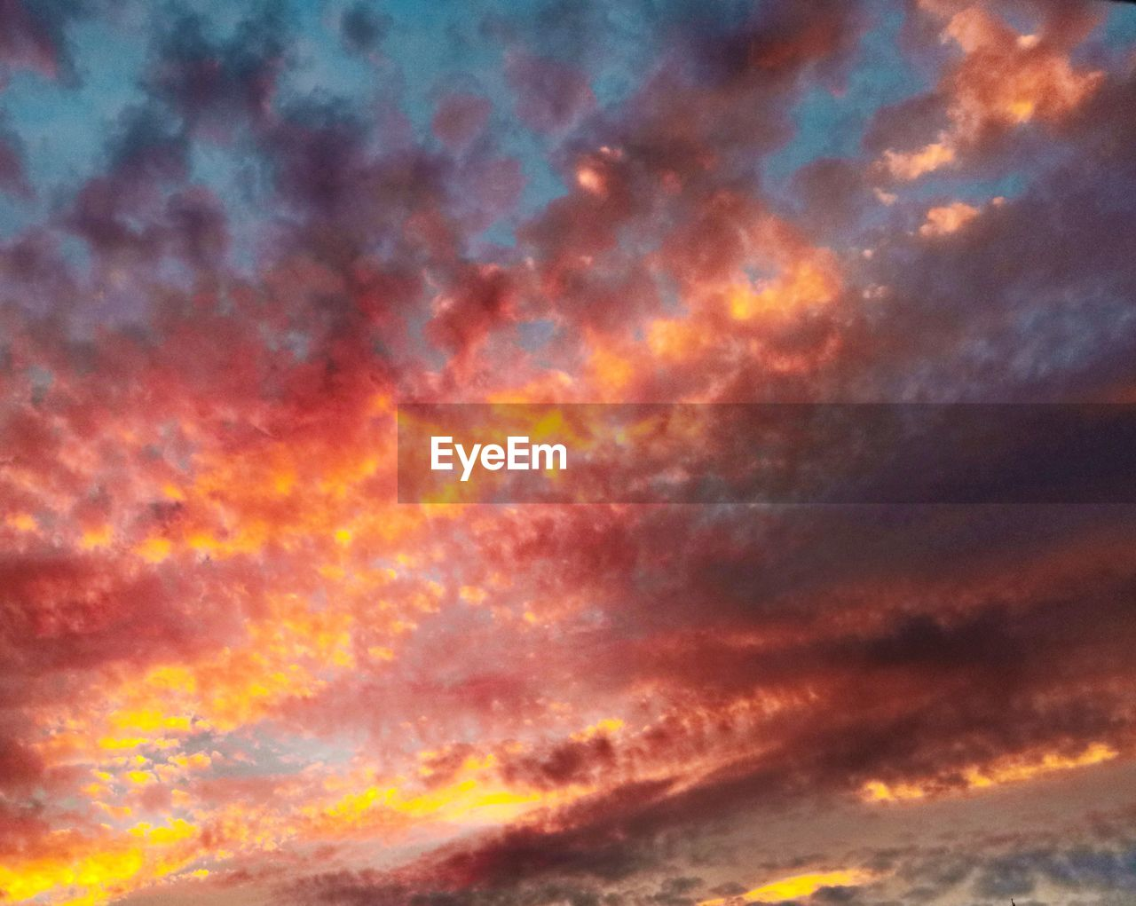 cloud - sky, orange color, sky, beauty in nature, sunset, dramatic sky, tranquility, no people, multi colored, scenics - nature, backgrounds, low angle view, tranquil scene, nature, full frame, idyllic, abstract, cloudscape, night, outdoors, abstract backgrounds, meteorology