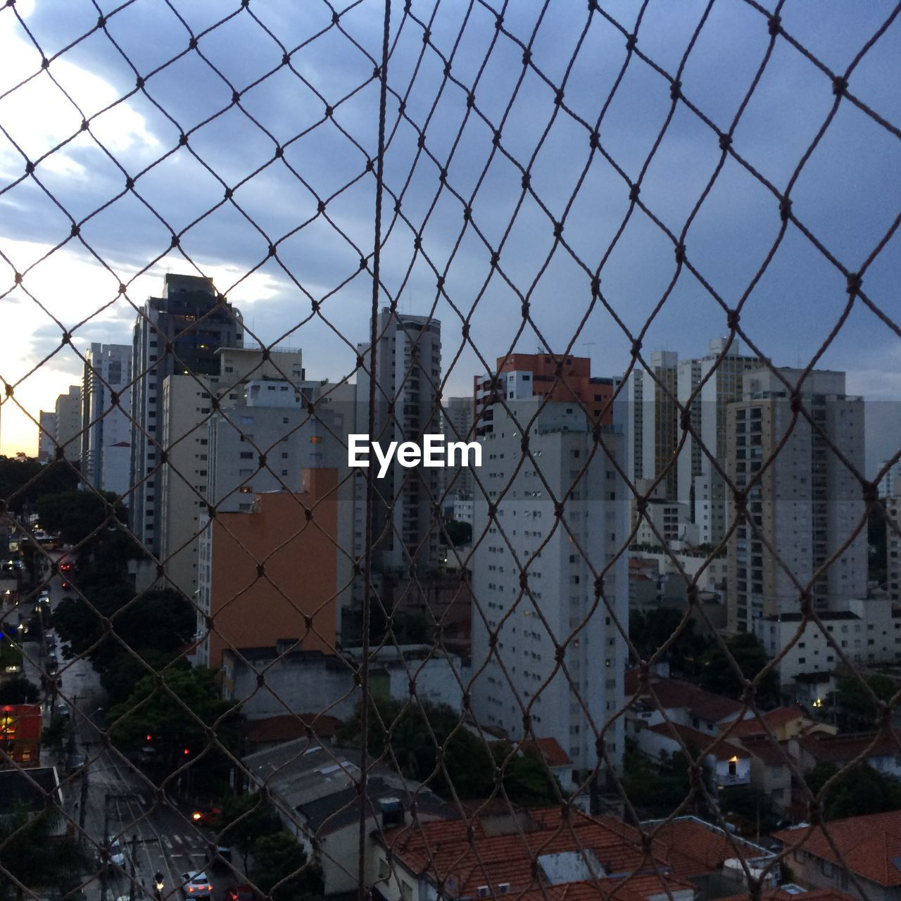 chainlink fence, architecture, protection, building exterior, safety, built structure, no people, outdoors, sky, day, city