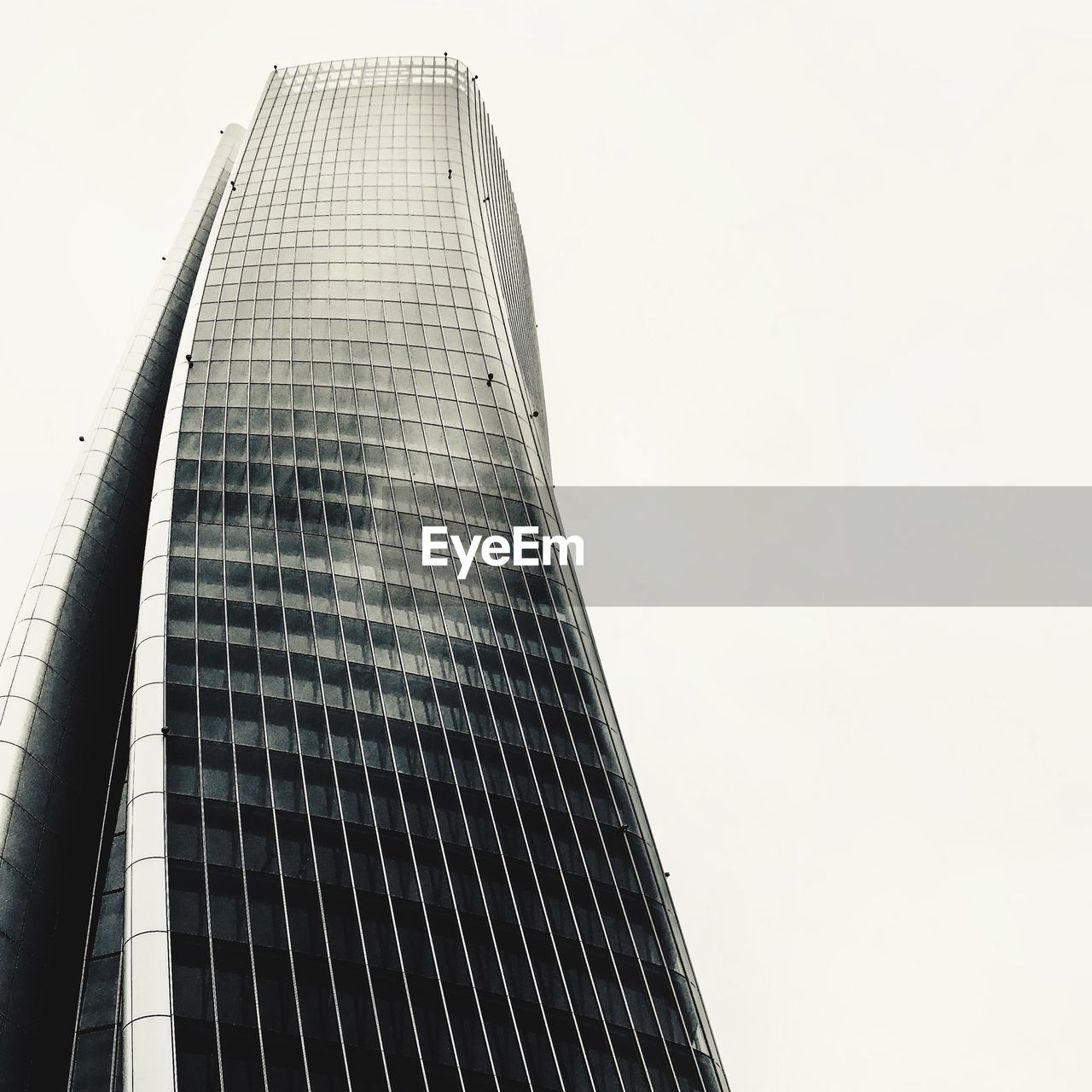 built structure, architecture, sky, low angle view, building exterior, building, modern, clear sky, tall - high, office building exterior, city, skyscraper, tower, office, no people, day, nature, copy space, outdoors