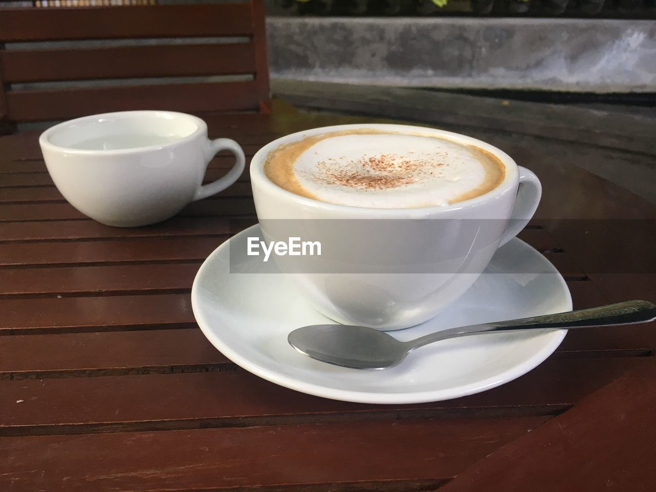 drink, coffee, refreshment, cup, mug, coffee cup, coffee - drink, food and drink, saucer, crockery, still life, table, frothy drink, hot drink, indoors, cappuccino, eating utensil, spoon, freshness, kitchen utensil, no people, latte, froth, non-alcoholic beverage, teaspoon
