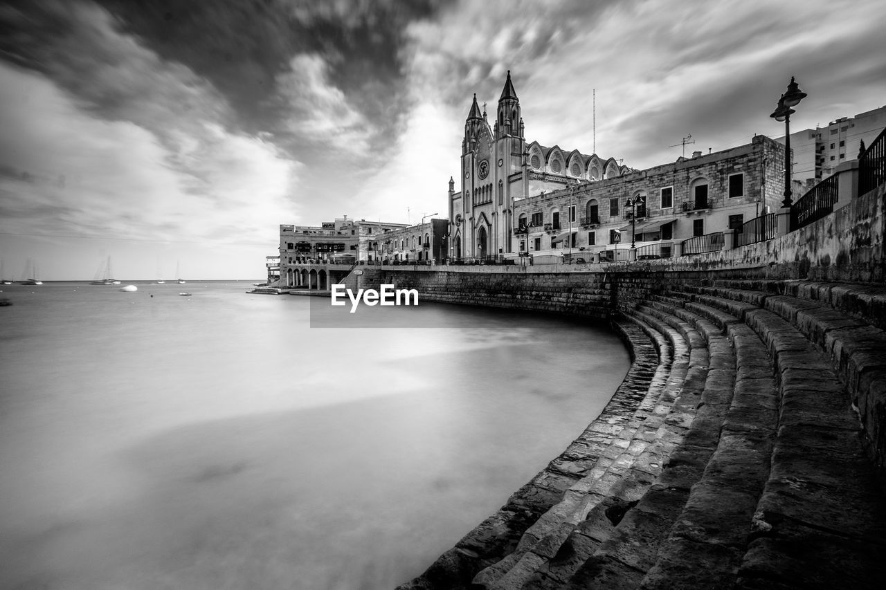 architecture, built structure, sky, building exterior, cloud - sky, history, the past, nature, water, travel destinations, building, travel, tourism, city, no people, day, outdoors, sea